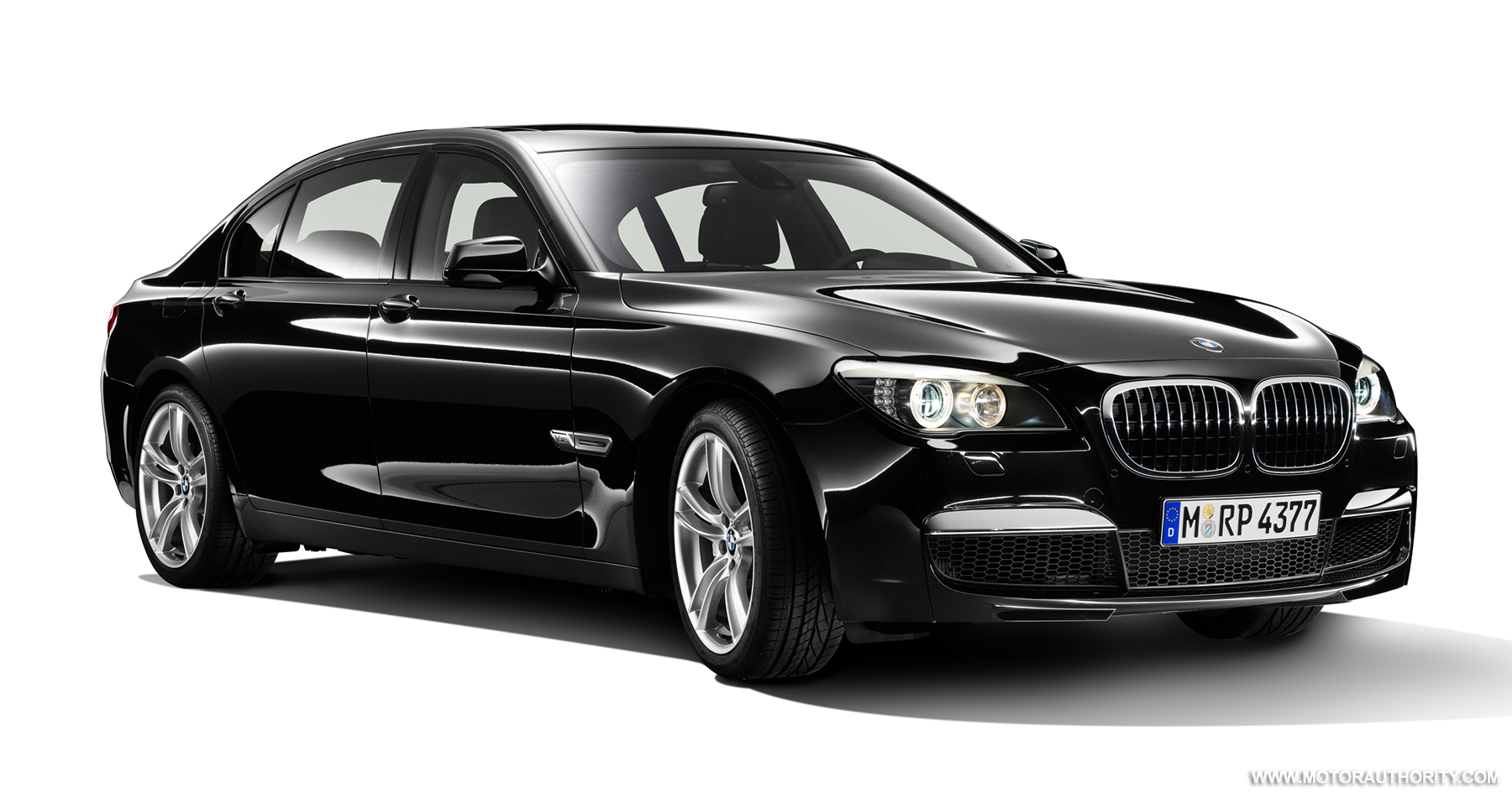 BMW Releases New Photos Of M Sport Package For 7 Series