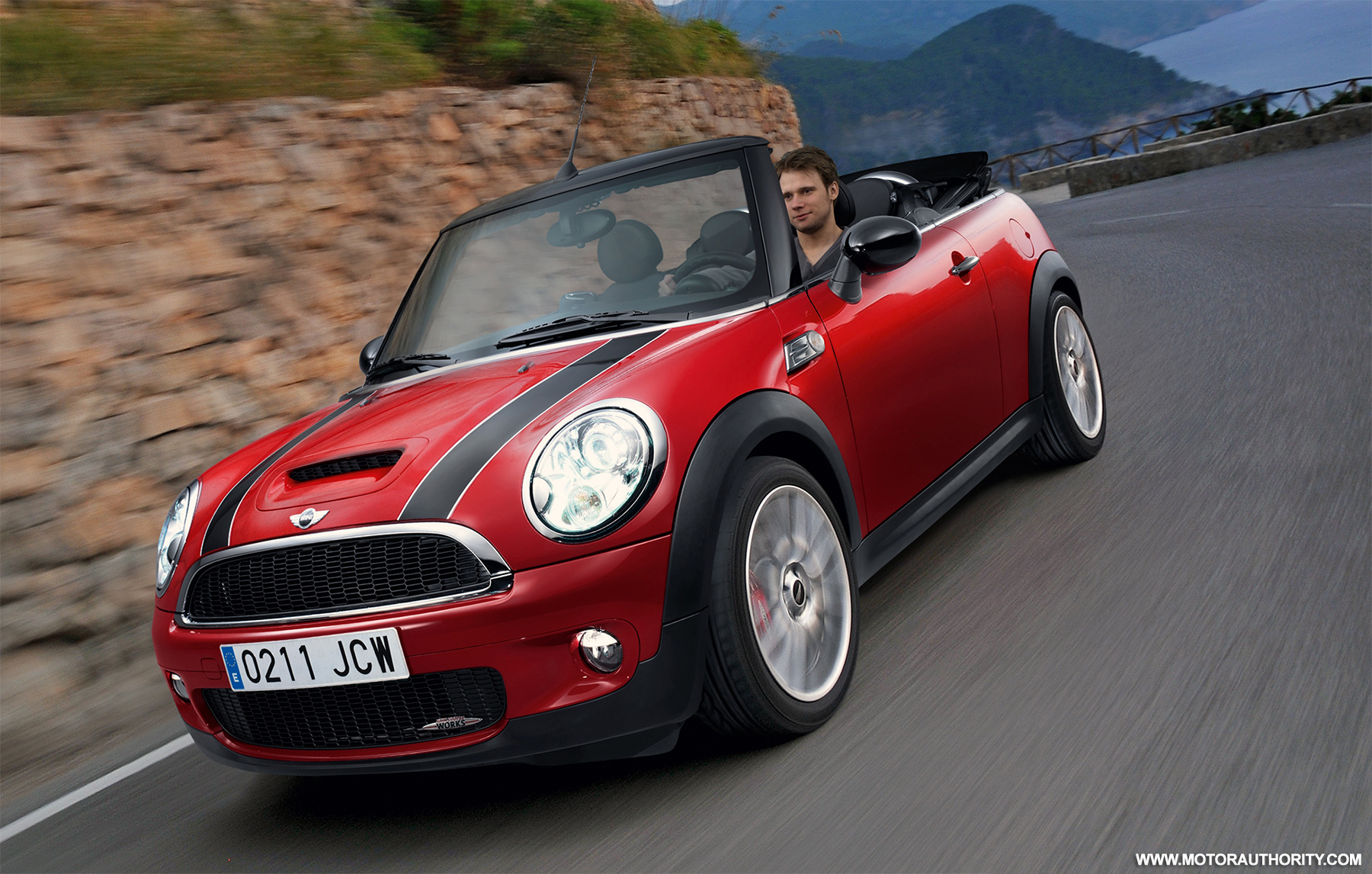 video mini john cooper works cabrio hits rallye monte carlo. Black Bedroom Furniture Sets. Home Design Ideas