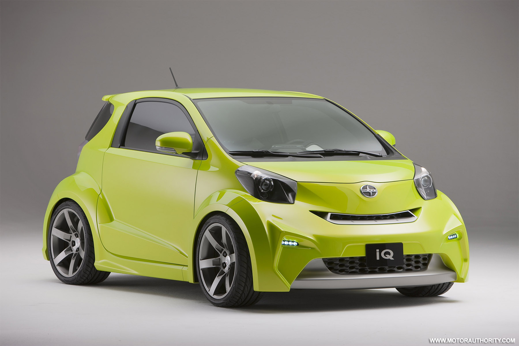 2010 detroit auto show scion iq to debut as a hybrid hatch. Black Bedroom Furniture Sets. Home Design Ideas