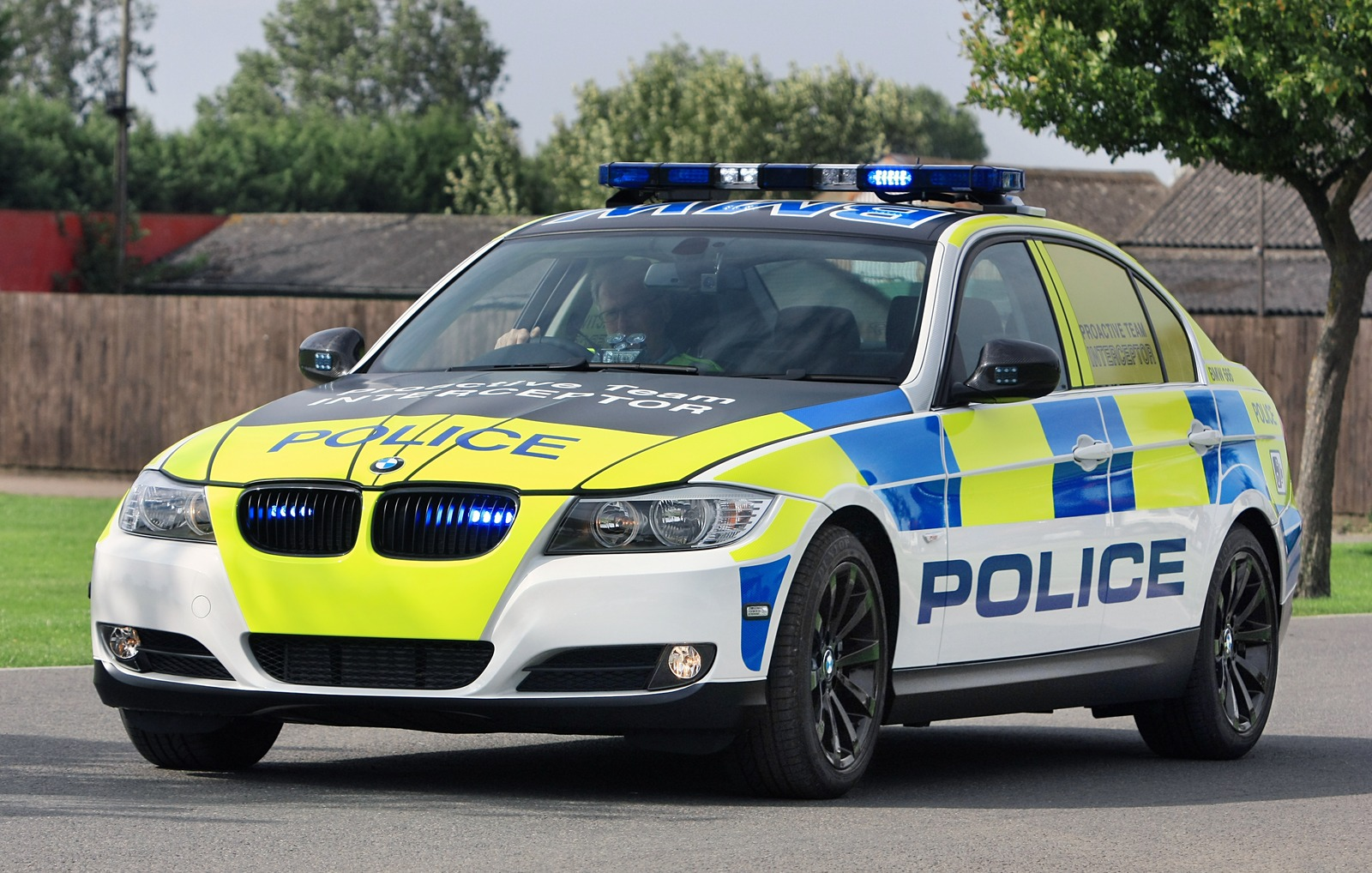 Uk Criminals Delight New Bmw Police Cars Unveiled