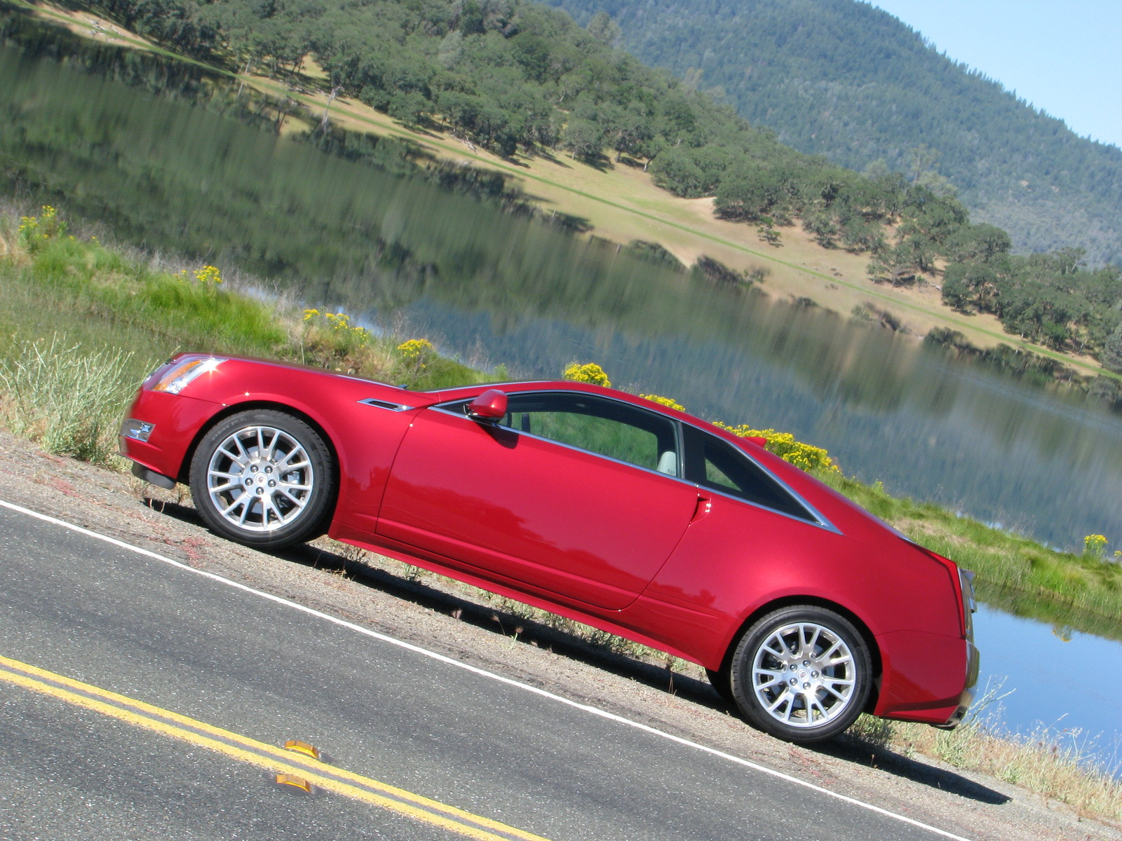 2011 Cadillac CTS Coupe Hitting Dealerships Now
