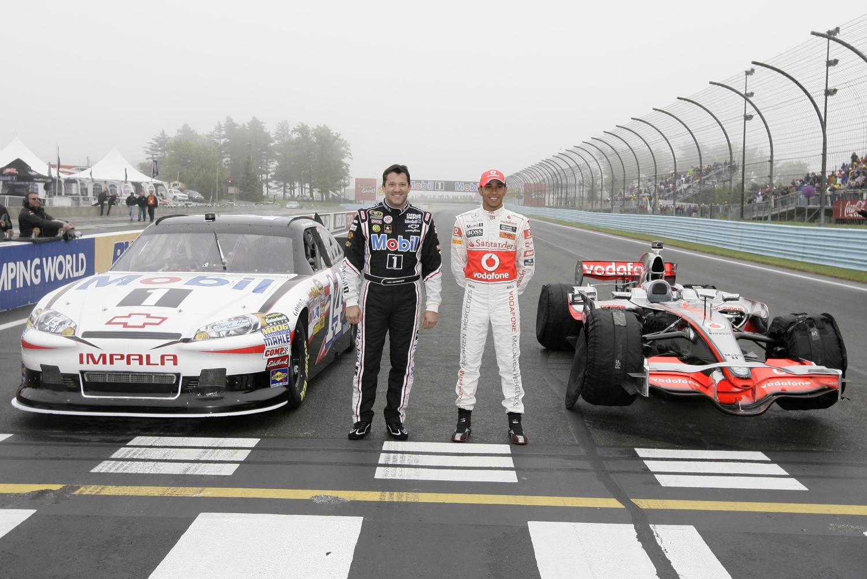 Lewis Hamilton And Tony Stewart Swap F1 And Nascar Rides