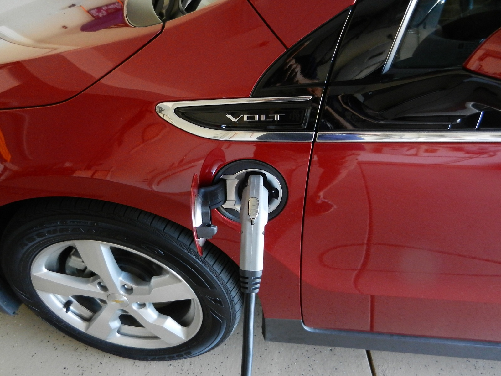 New Onstar App Lets Chevy Volt Drivers Compete On Electric Miles