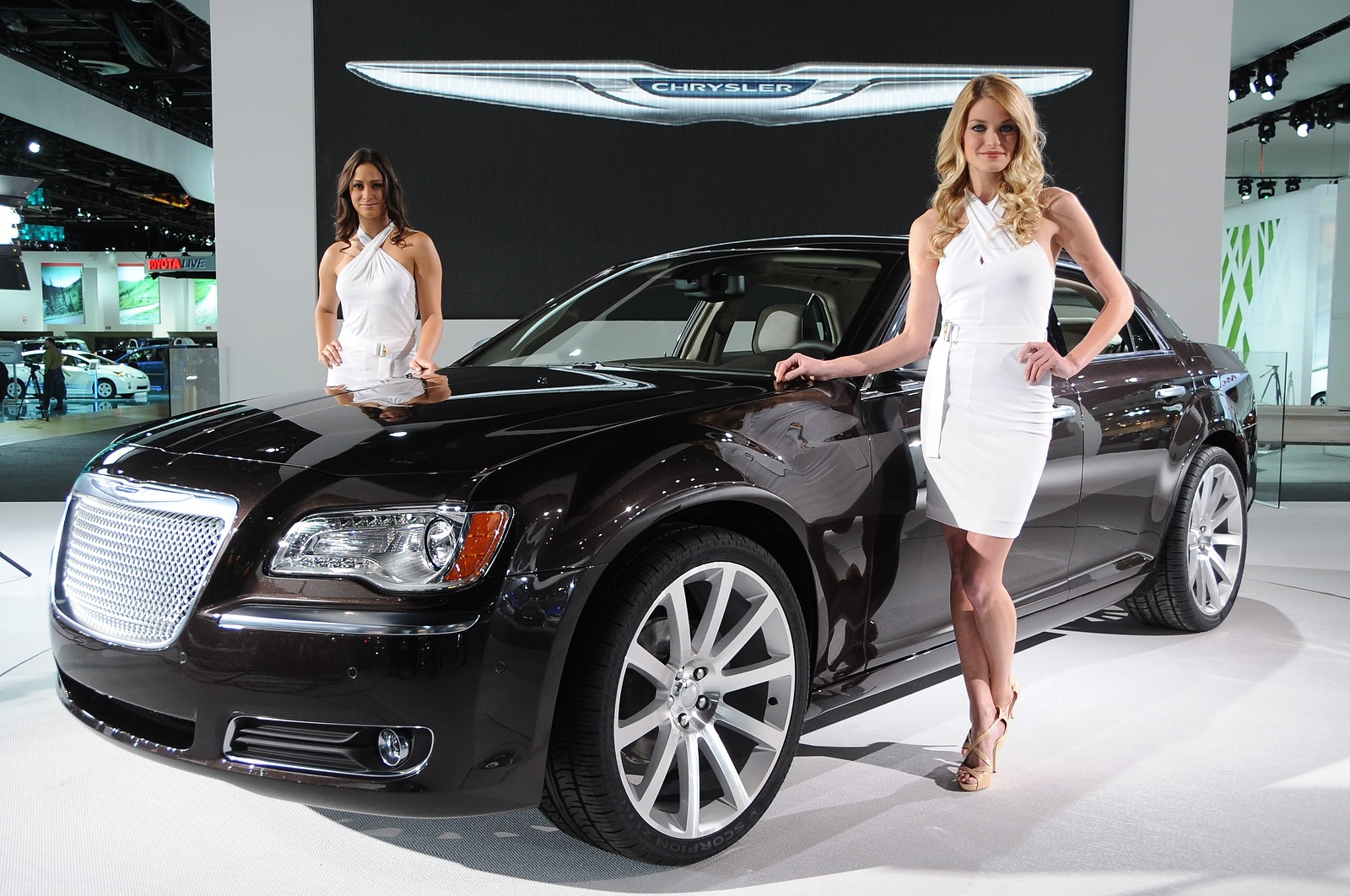 Is Chrysler Now a Luxury Contender?