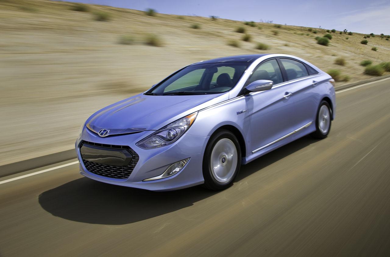 Hyundai Sonata Mpg >> 2011 Hyundai Sonata Hybrid Could Hit 40 Mpg