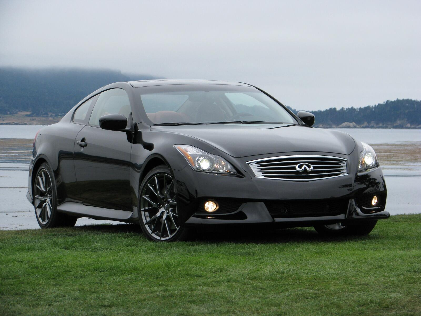 pebble 2010 2011 infiniti g37 ipl coupe live photos. Black Bedroom Furniture Sets. Home Design Ideas