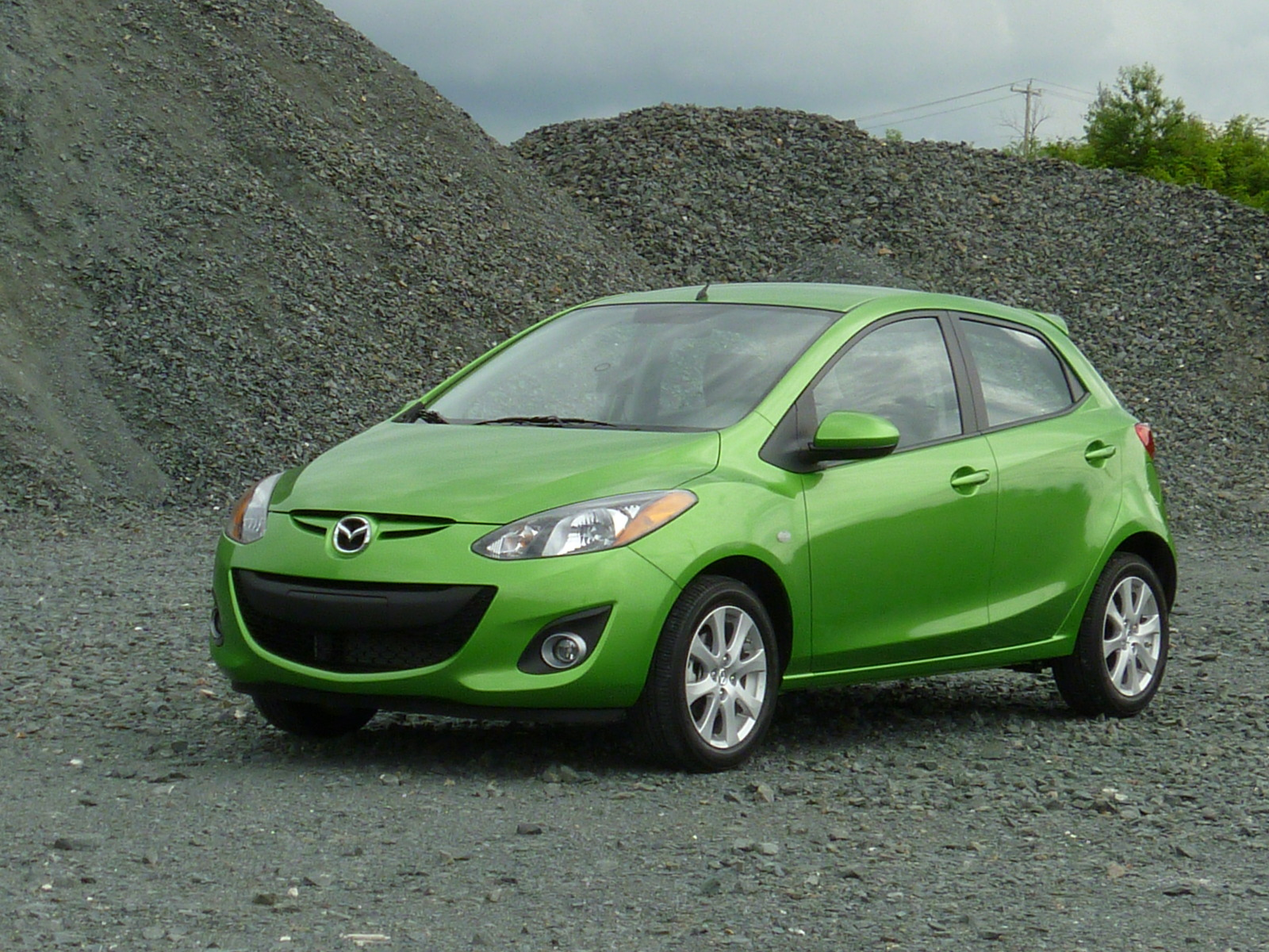 Kekurangan Mazda 2 2011 Perbandingan Harga