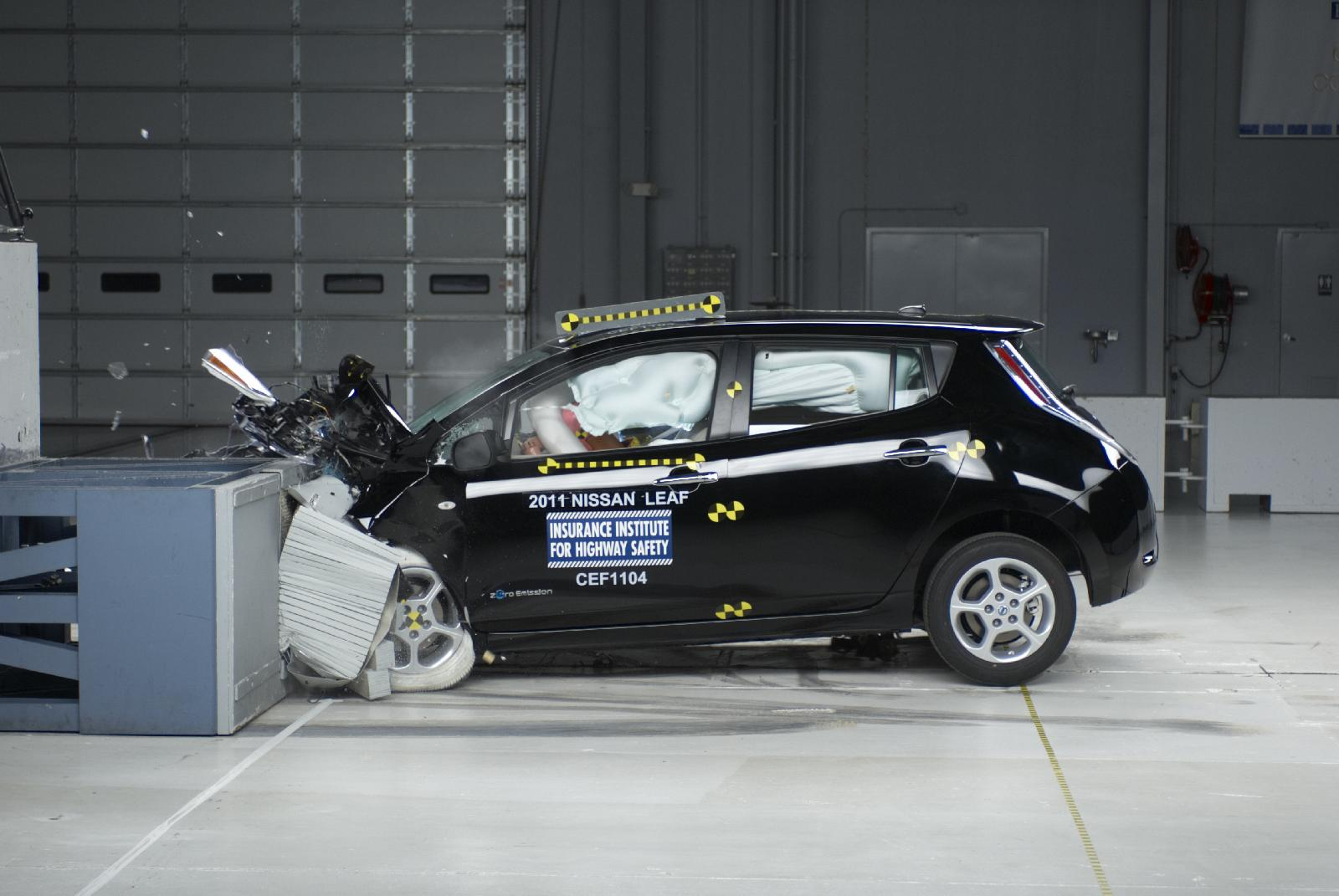 Iihs Safety Ratings >> Chevy Volt Nissan Leaf Get Top Iihs Crash Safety Ratings