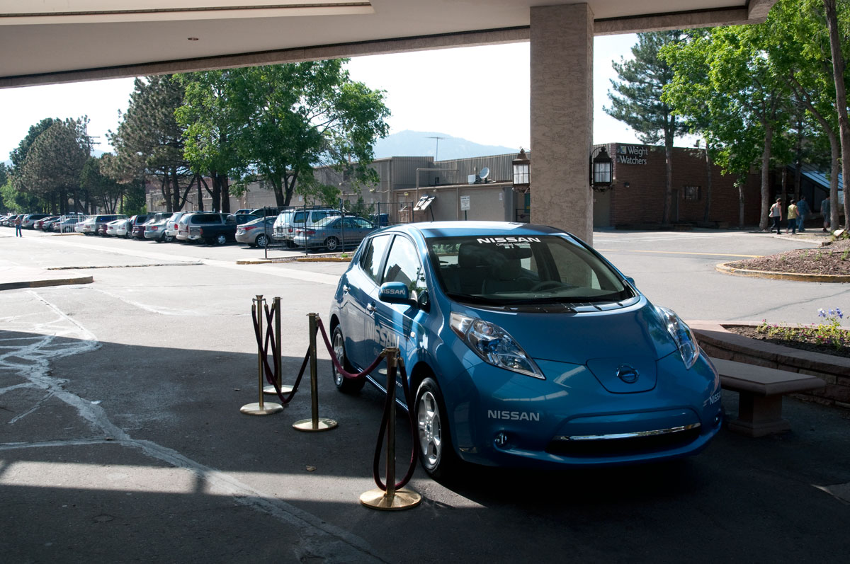 Driven 2011 Nissan Leaf Comes To Colorado For Bolderboulder