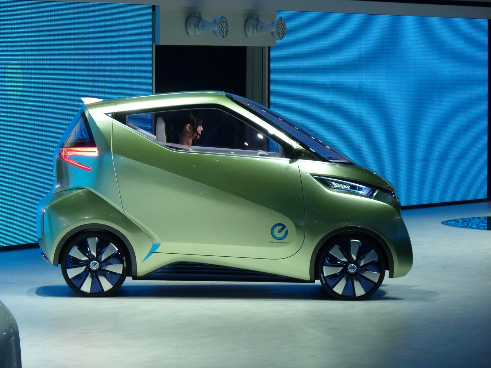 Nissan Pivo3 Concept: New Ideas For A Production Electric ...