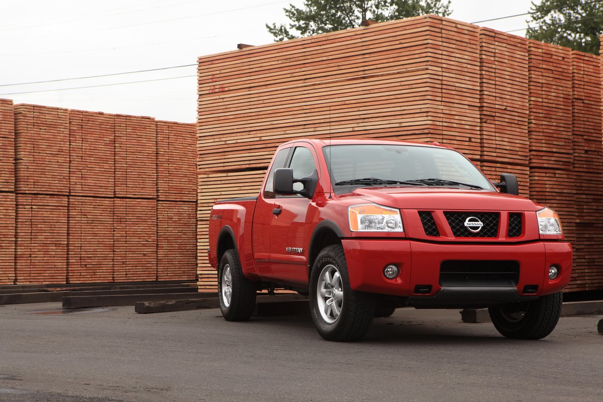 2012 nissan titan recalled for labeling problem. Black Bedroom Furniture Sets. Home Design Ideas