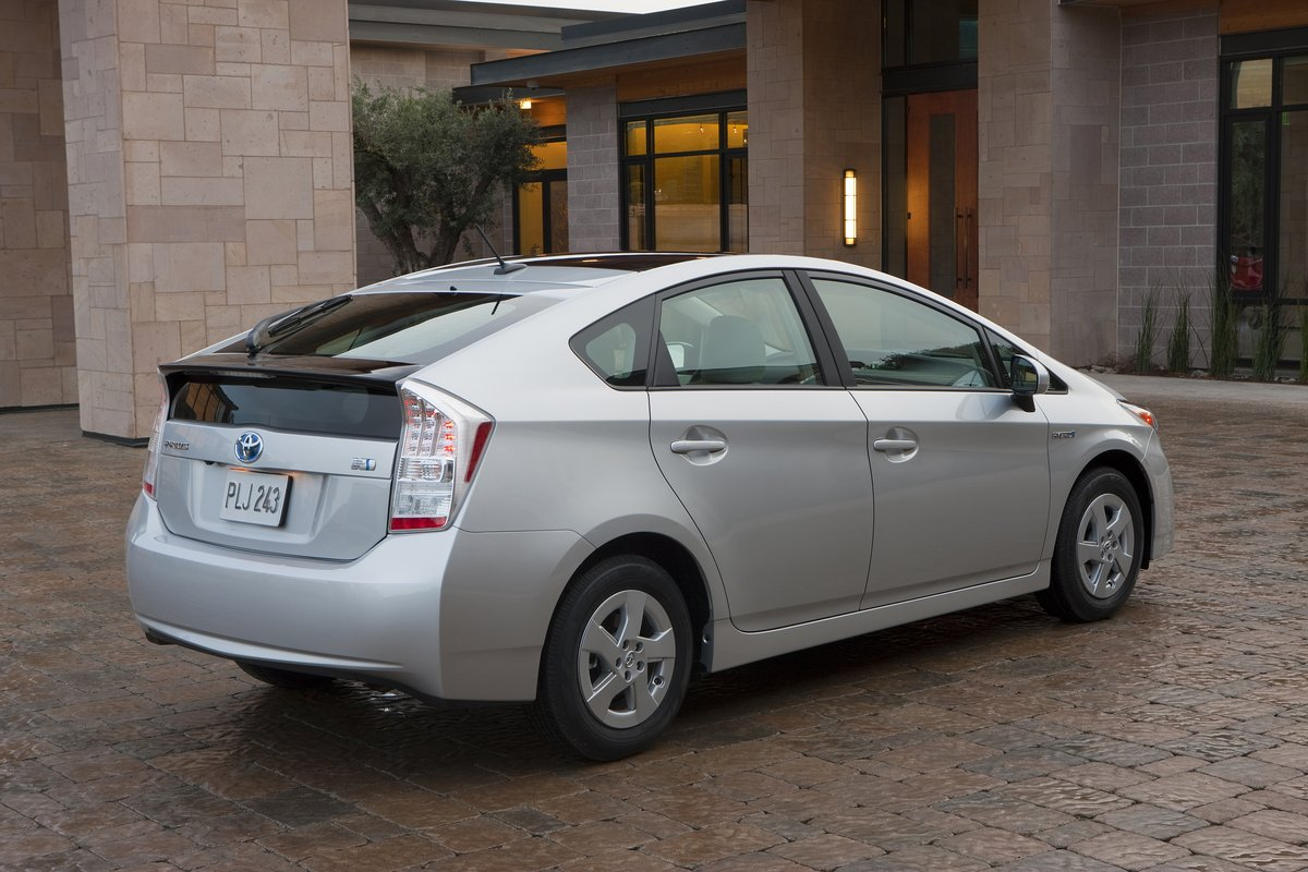 epa says toyota prius hybrid no longer 39 most fuel efficient 39. Black Bedroom Furniture Sets. Home Design Ideas