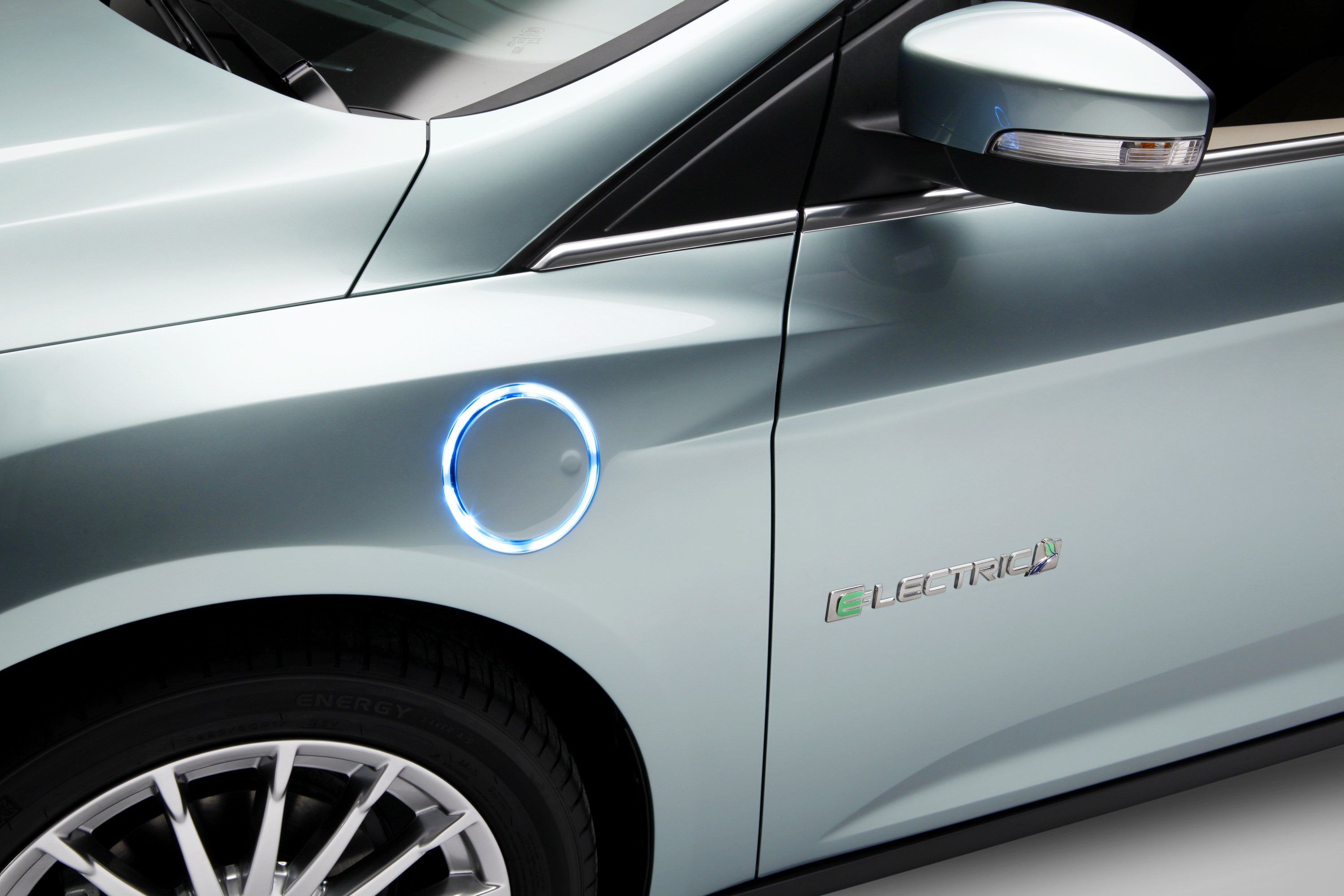 ford  design tesla  electric car ceo   higher power charging push
