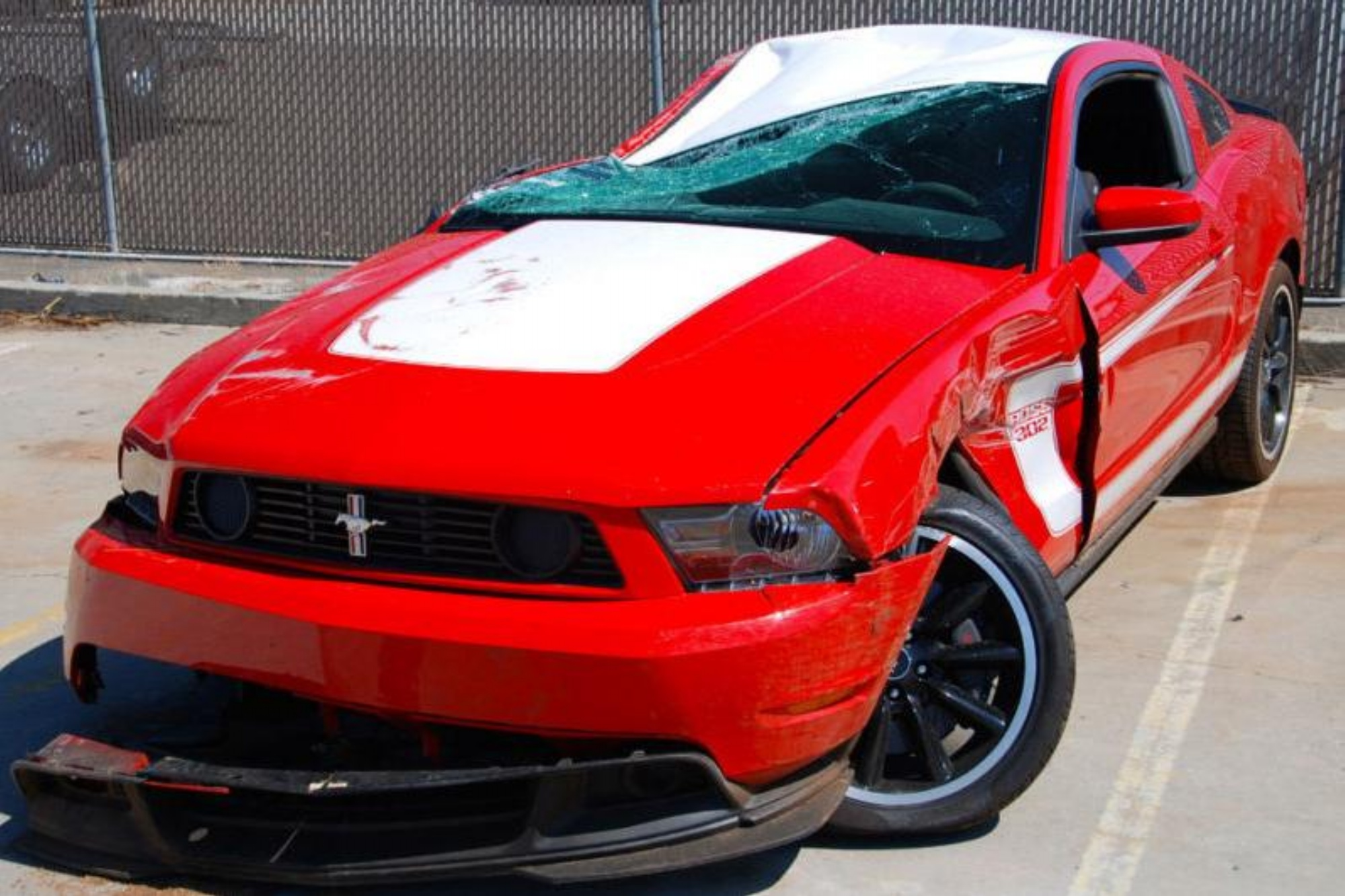 found on ebay crashed 2012 ford mustang boss 302. Black Bedroom Furniture Sets. Home Design Ideas