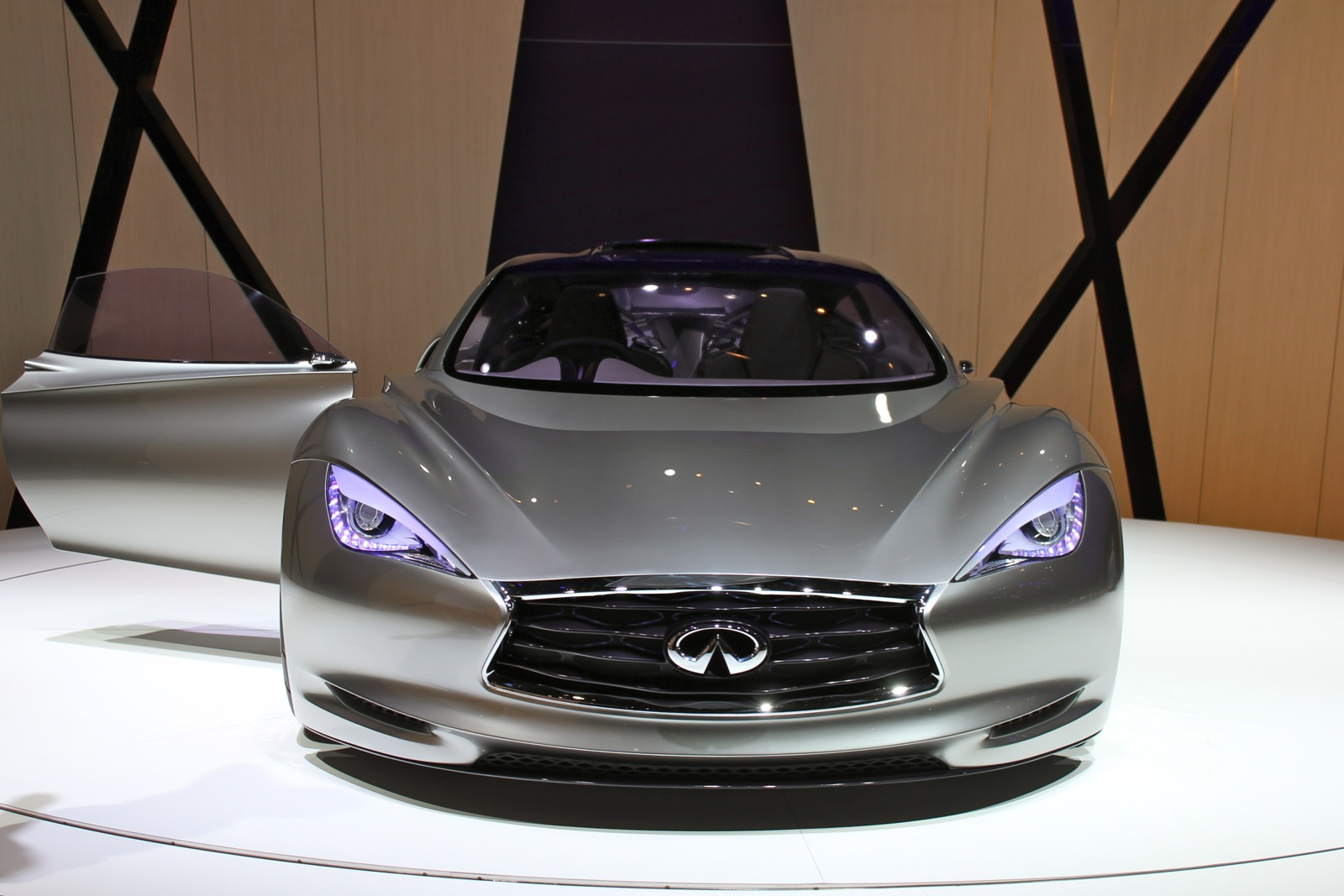 Infiniti Emerg E Makes U S Debut At Pebble Beach Concours