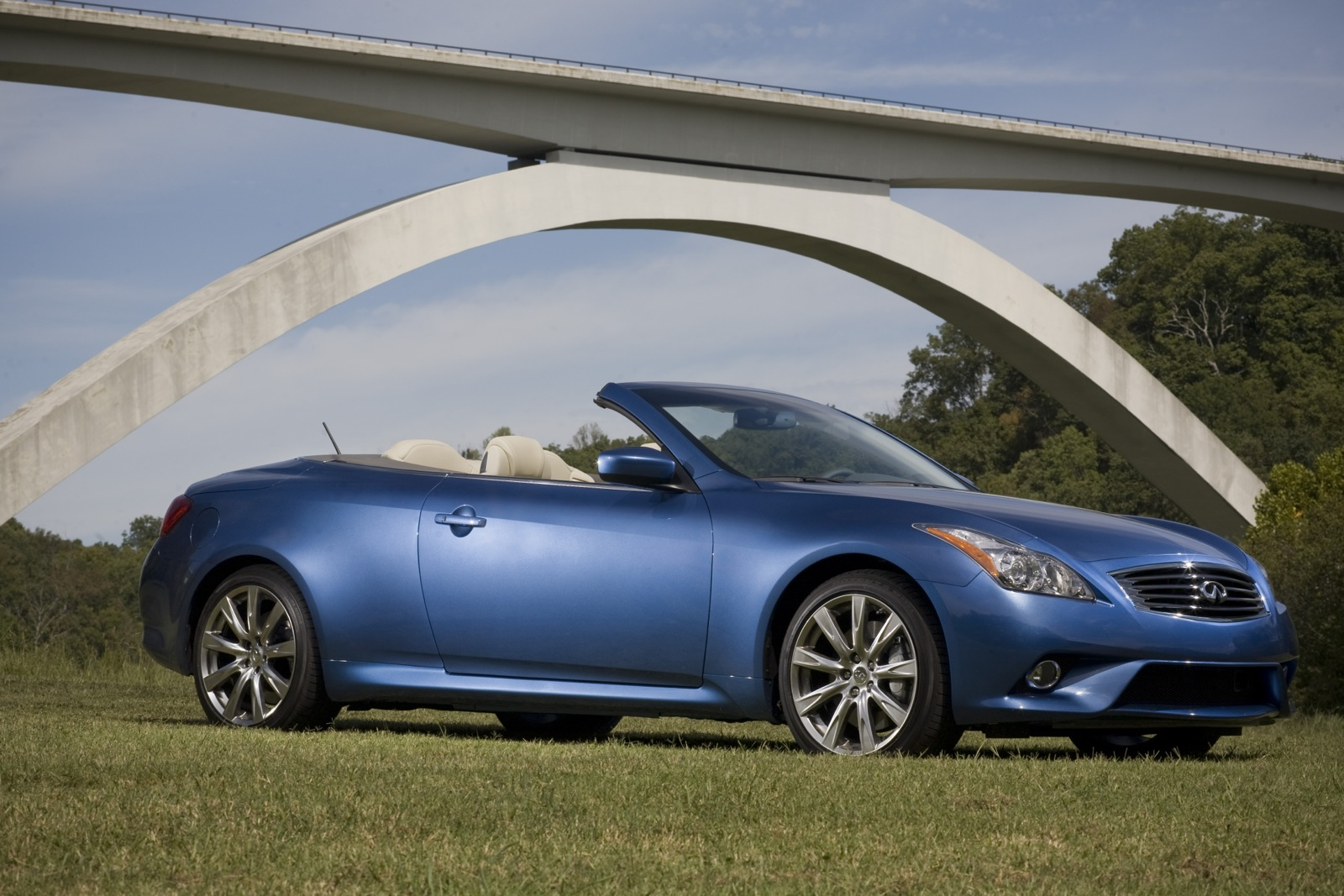 New And Used Infiniti G37 Convertible Prices Photos Reviews Specs The Car Connection