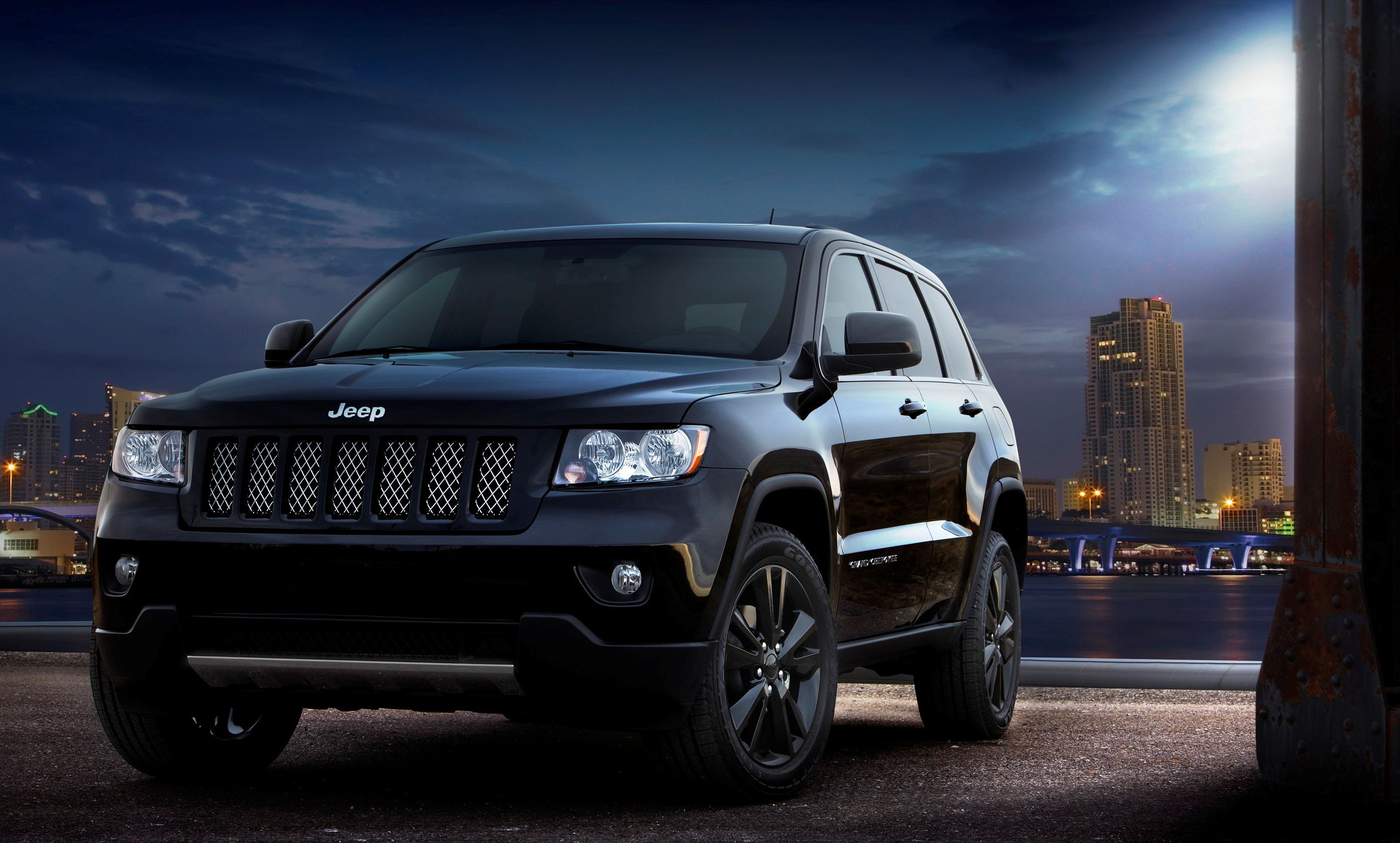 jeep gets high, releases altitude edition grand cherokee, compass