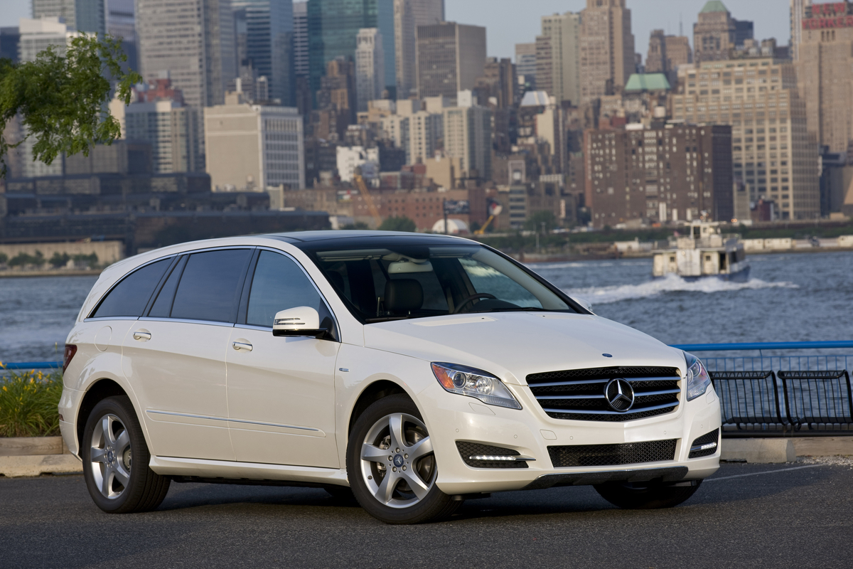 mercedes benz kills u s sales of r class crossover report. Black Bedroom Furniture Sets. Home Design Ideas