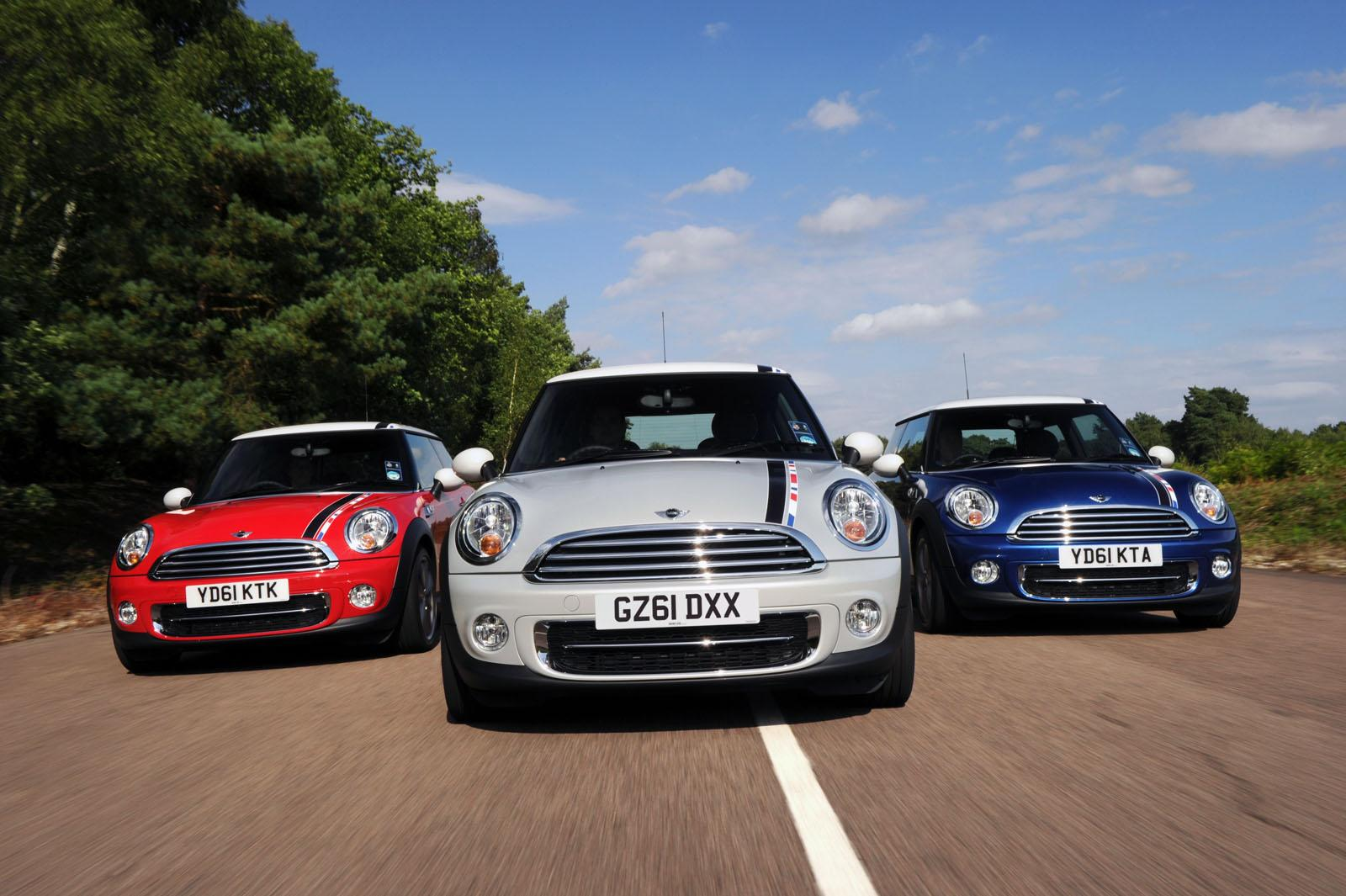 Mini Cooper London Debuts With Leaps And Bounds
