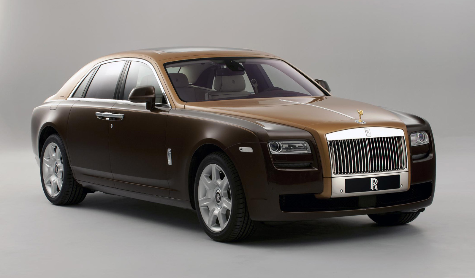 Rolls-Royce Announces New Two-Tone Bespoke Option For Ghost