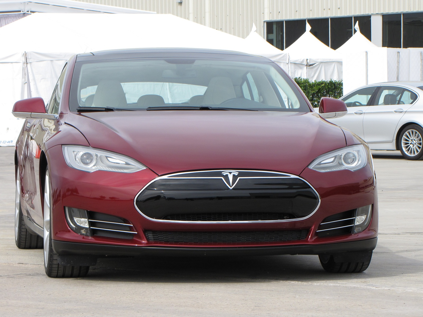 buying a 2012 tesla model s think before ordering the battery pack. Black Bedroom Furniture Sets. Home Design Ideas