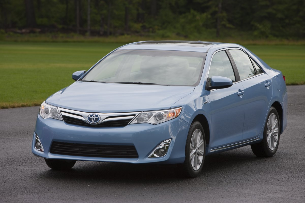 2012 toyota camry hybrid first drive. Black Bedroom Furniture Sets. Home Design Ideas