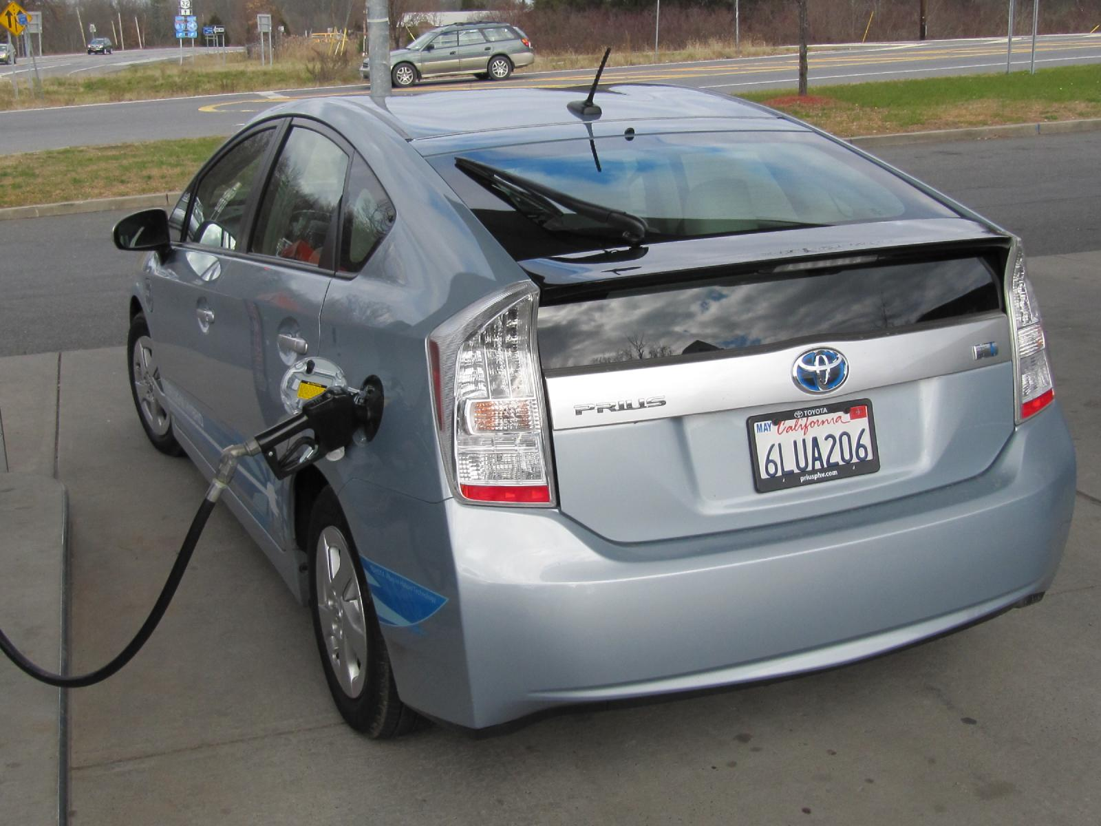Toyota Fixes Quirks On Upcoming 2012 Prius Plug In Hybrid
