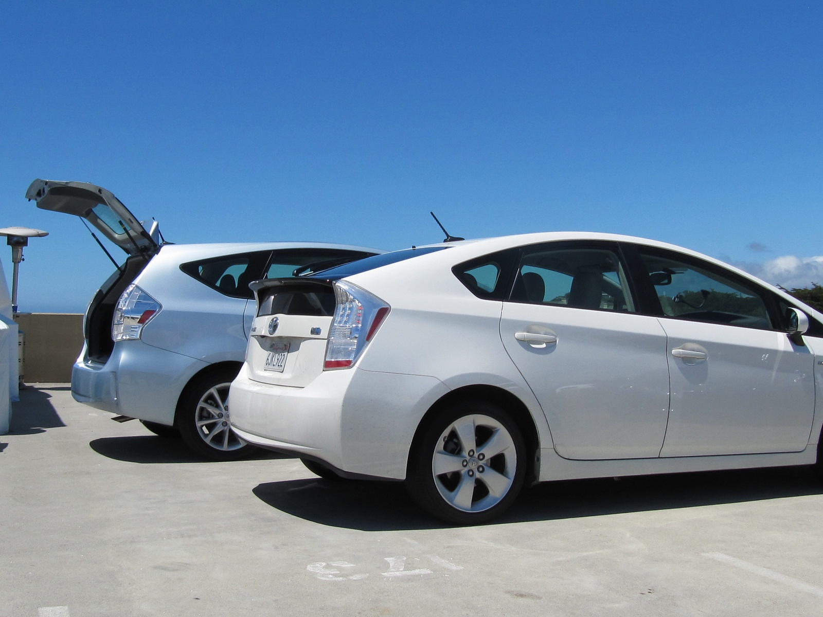 2012 Toyota Prius Greencarreports Best Car To Buy 2012