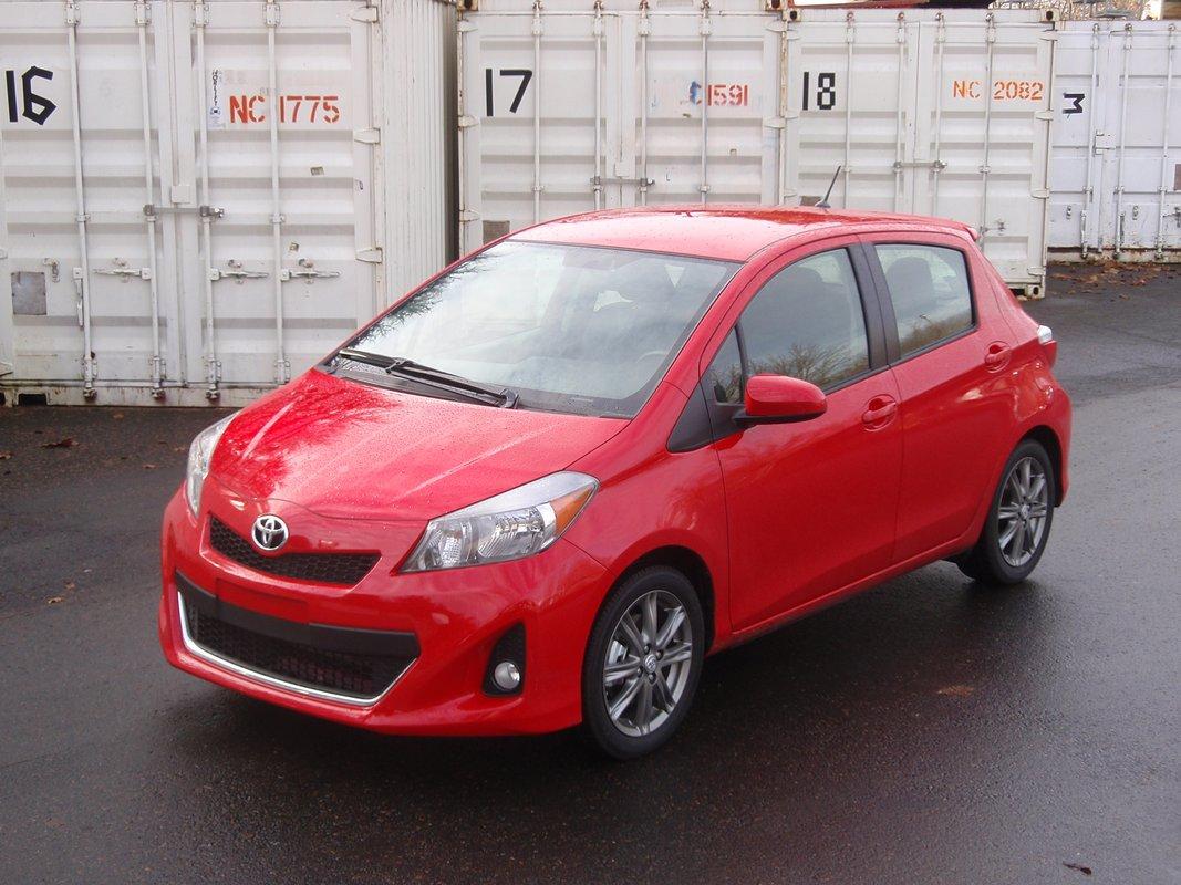 Hyundai Accent 2012mpg >> 2012 Toyota Yaris Se First Drive