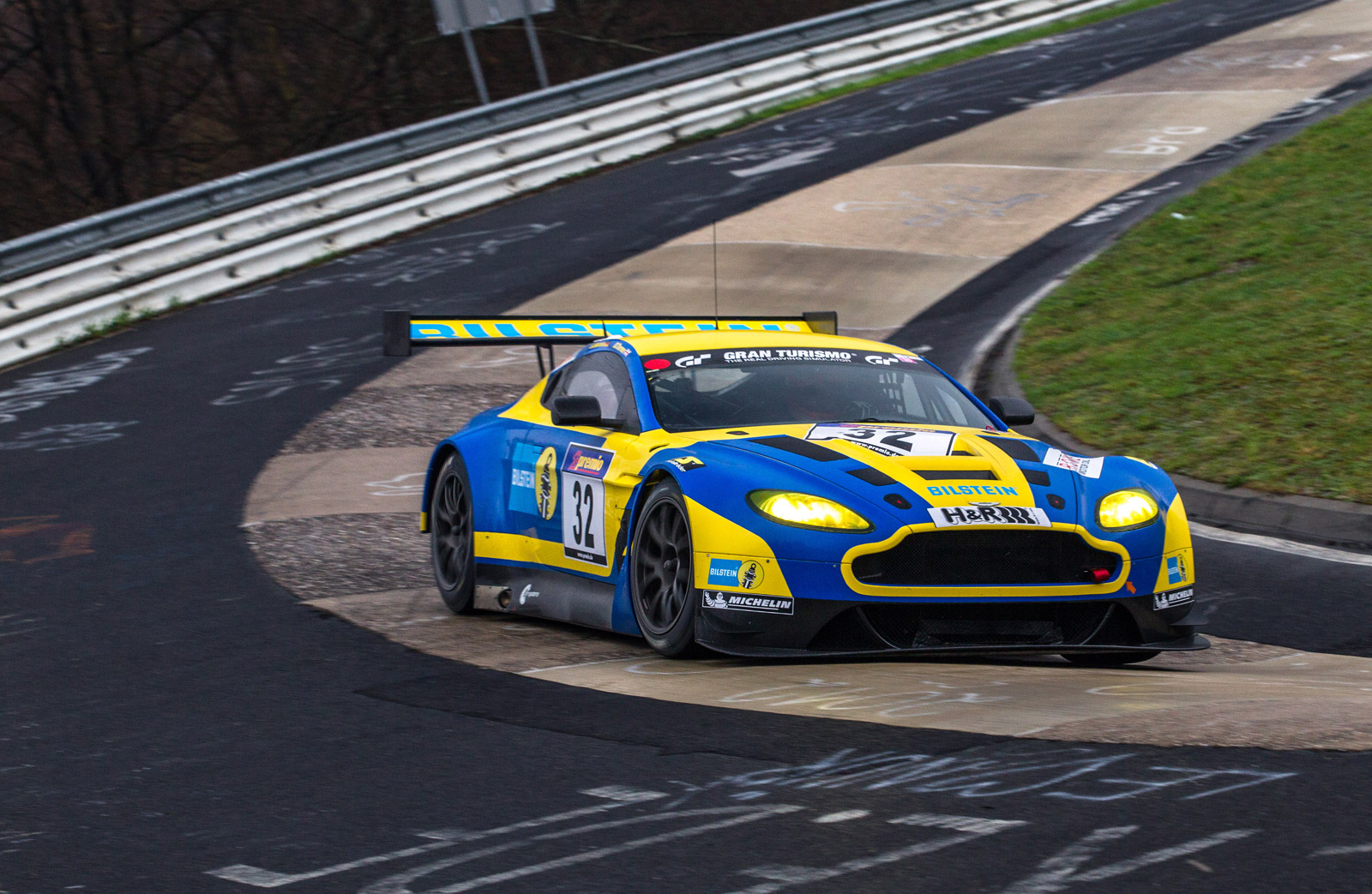 aston martin reveals v12 vantage gt3 for 2013 n rburgring 24 hours. Black Bedroom Furniture Sets. Home Design Ideas