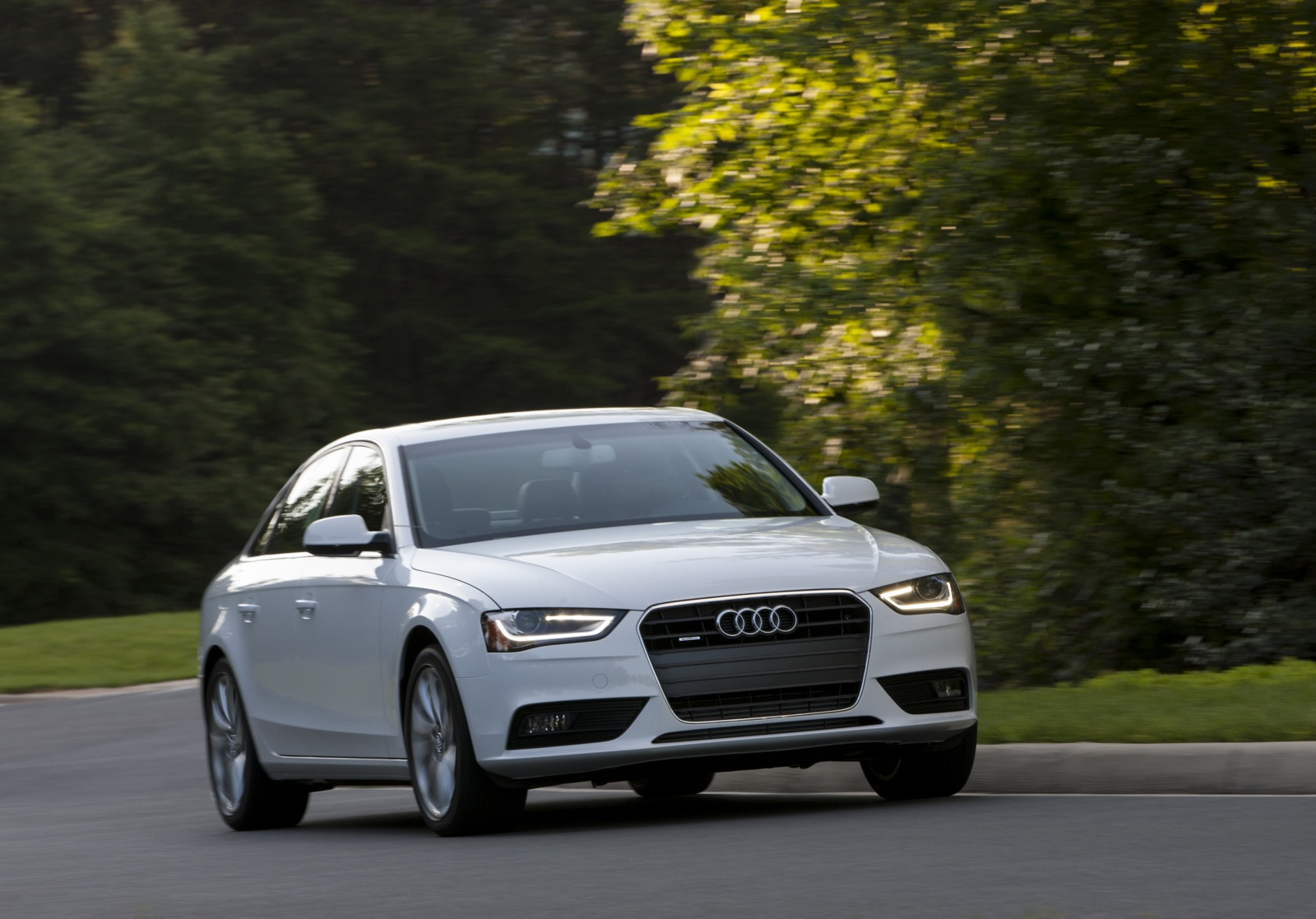 next gen audi a4 and q7 delayed for styling changes report. Black Bedroom Furniture Sets. Home Design Ideas