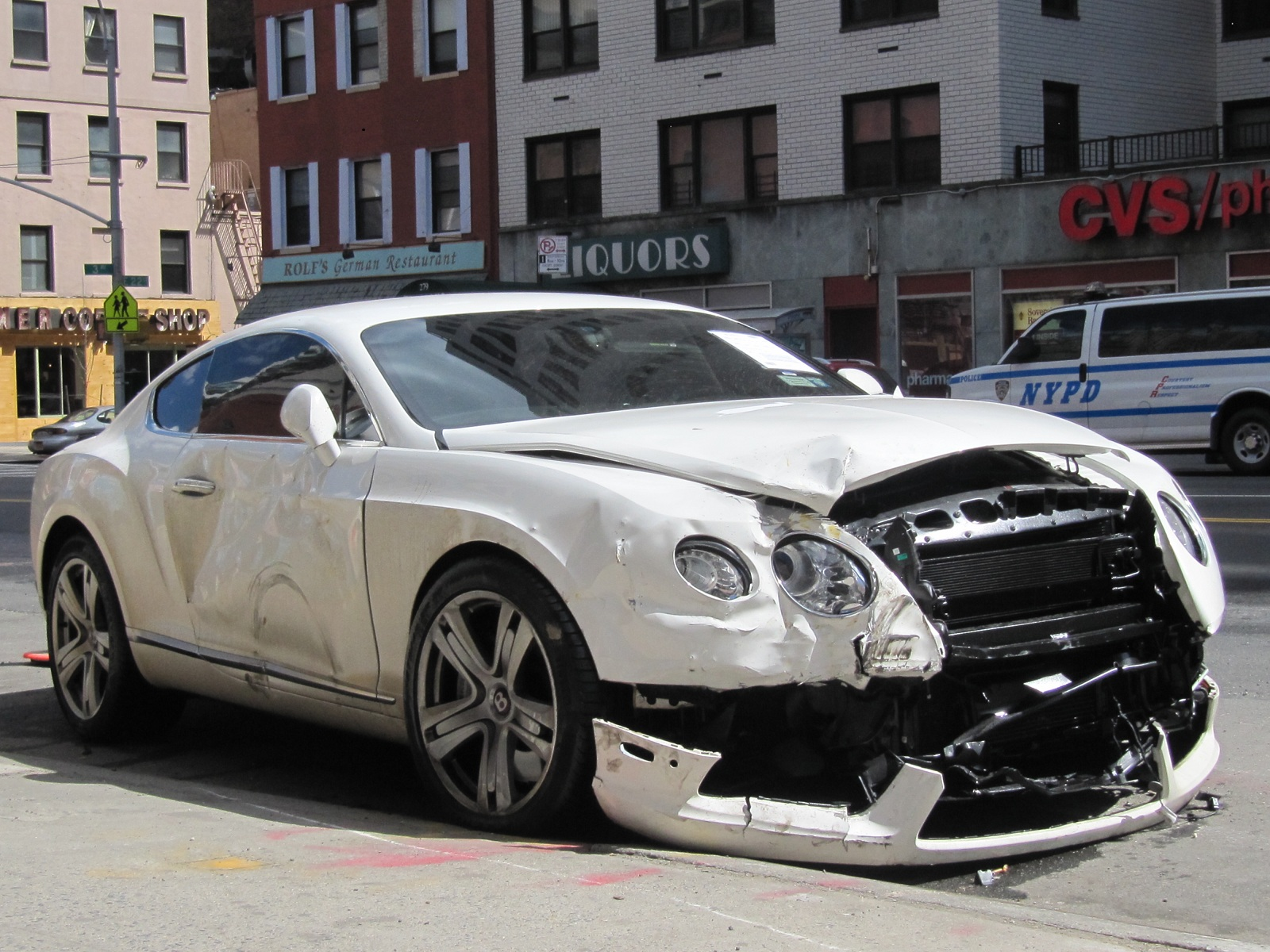 another wrecked bentley just one of nyc 39 s many car crashes. Black Bedroom Furniture Sets. Home Design Ideas