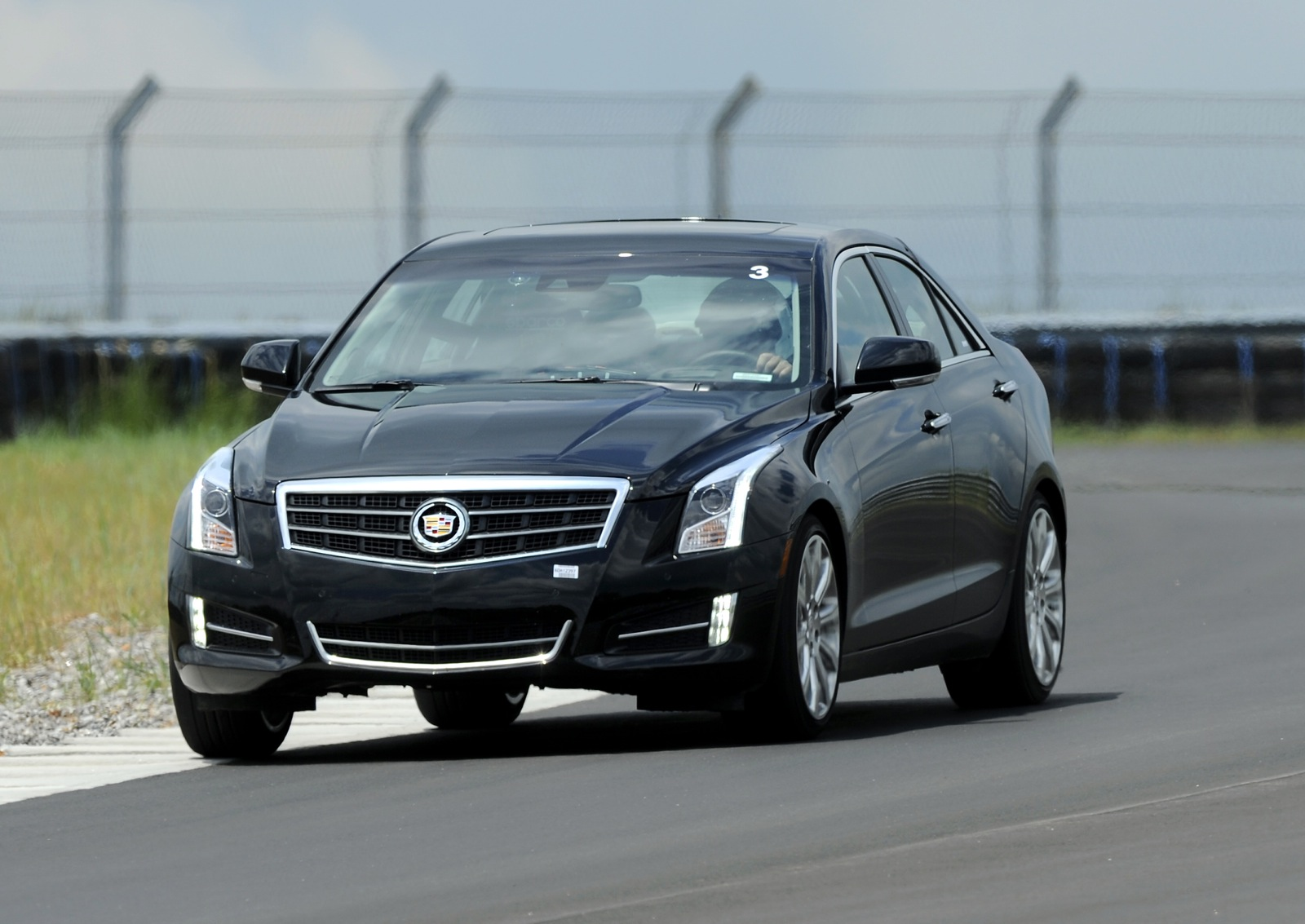 2013 Cadillac ATS 2.5-Liter Scores 33 MPG Highway Rating