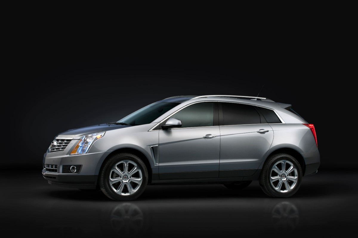 exterior cadillac new cue forward is srx with revised cockpit show more looking news york
