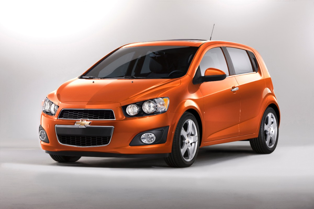 2013 Chevrolet Sonic (Chevy) Review, Ratings, Specs ...