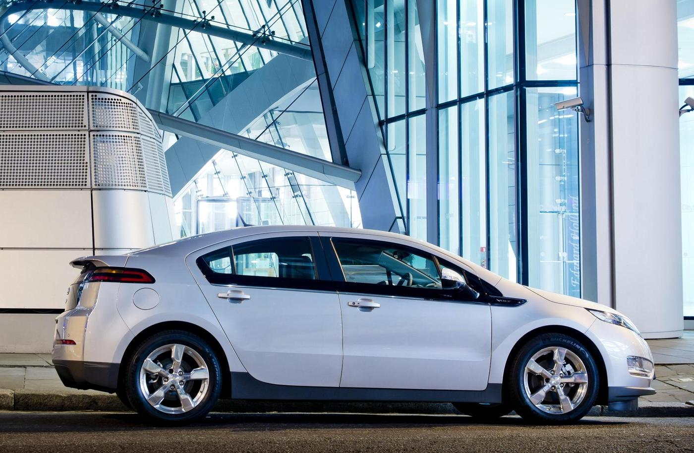 Tesla Solar City Layoffs Chevrolet Volt Recall And Epa Staff Levels Today S Car News