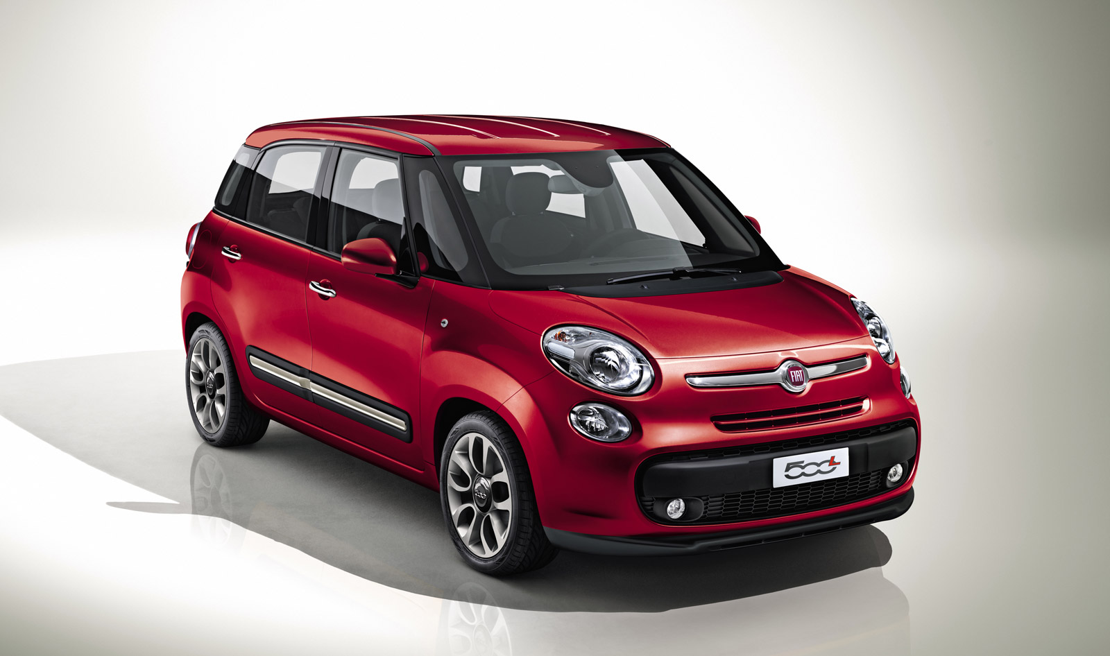 2013 fiat 500l to debut at 2012 geneva motor show. Black Bedroom Furniture Sets. Home Design Ideas