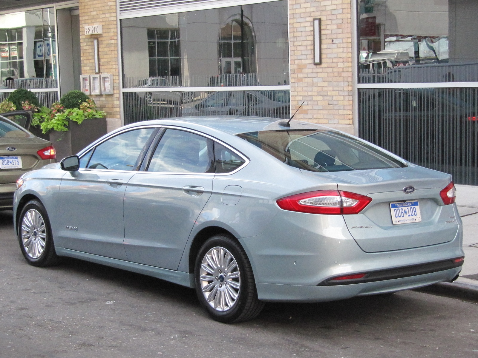 2013 ford fusion hybrid very short first drive