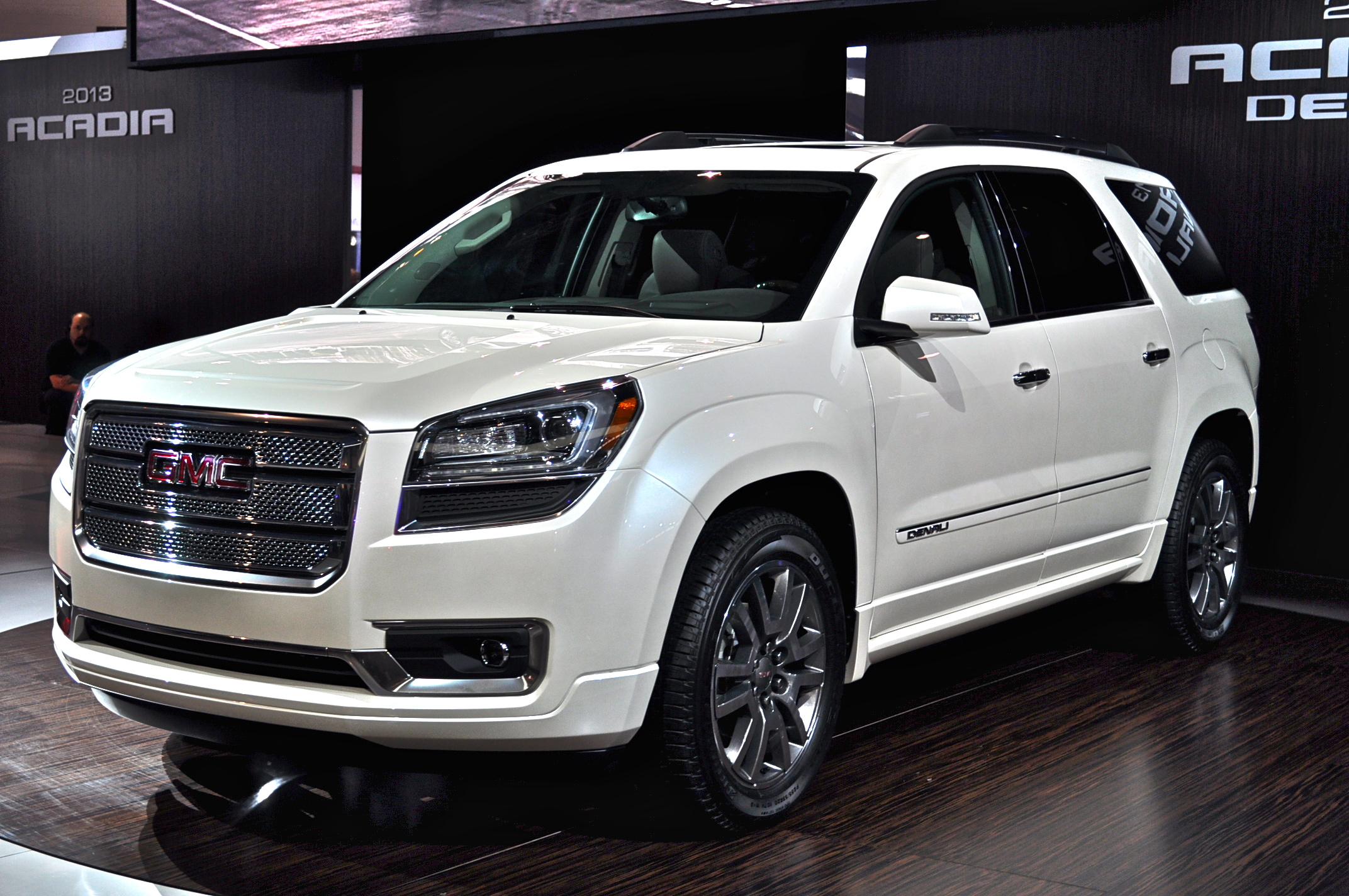 information image and suv vehicle acadia aspx news denali gmc