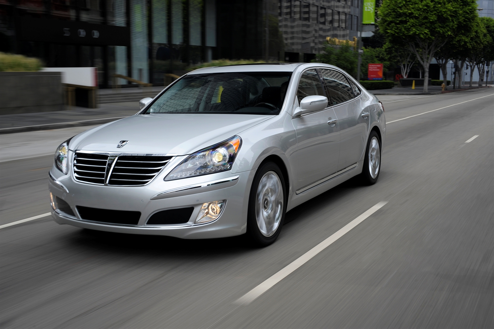 2013 hyundai equus review ratings specs prices and photos the car connection. Black Bedroom Furniture Sets. Home Design Ideas