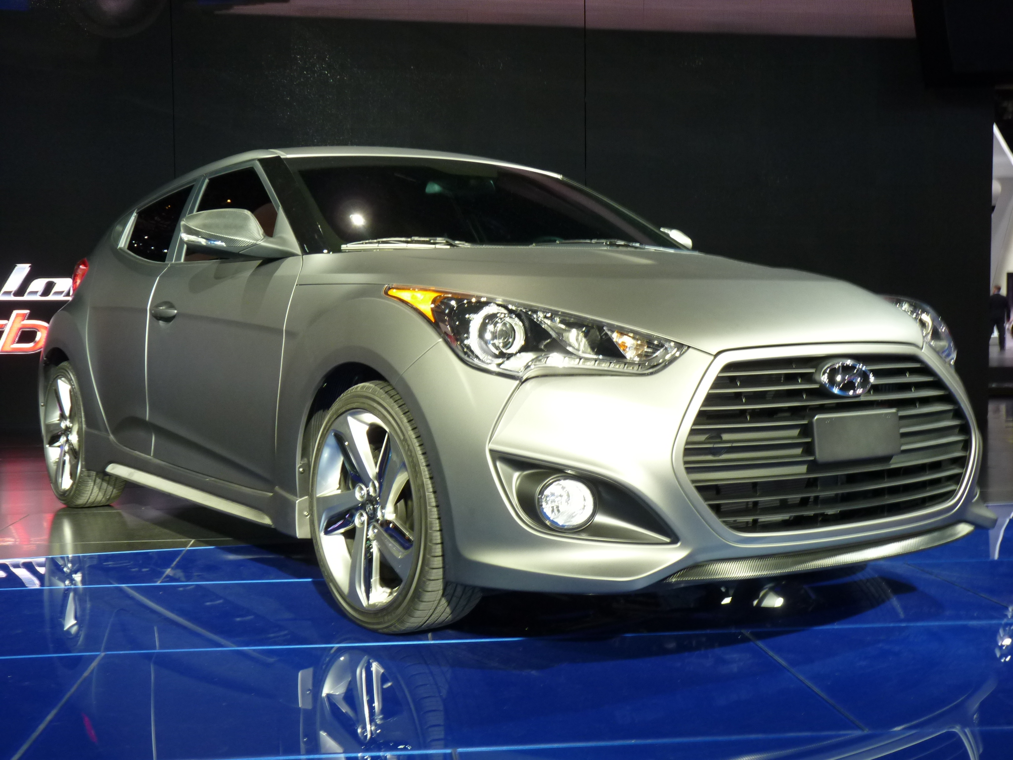 2013 Hyundai Veloster Turbo: 2012 Detroit Auto Show Video