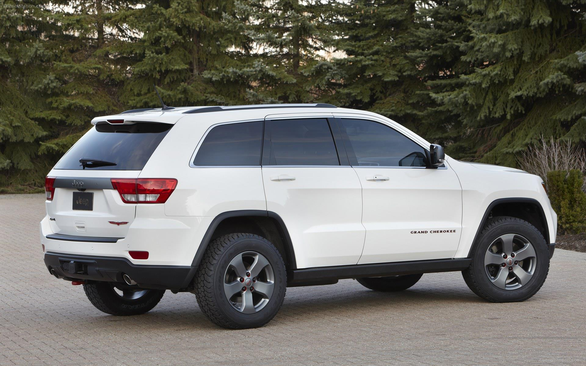 2013 jeep grand cherokee trailhawk makes debut. Black Bedroom Furniture Sets. Home Design Ideas