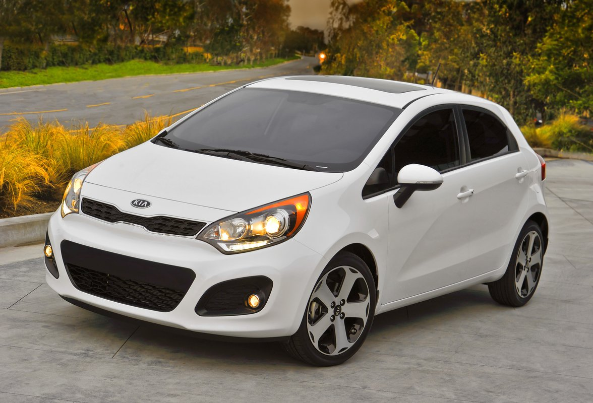 official 2013 kia rio will come with optional stop start system. Black Bedroom Furniture Sets. Home Design Ideas