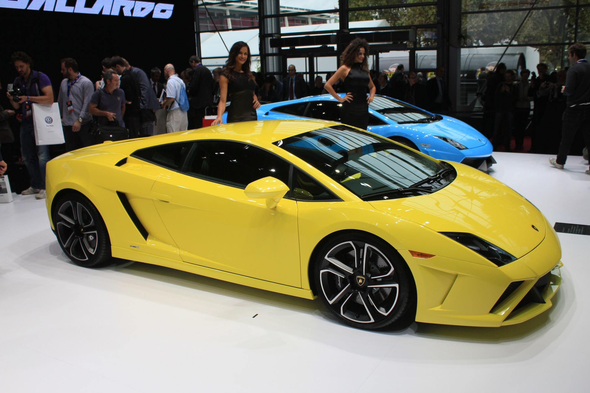 Lamborghini To Close Gallardo Run With Minimalist Manual Model