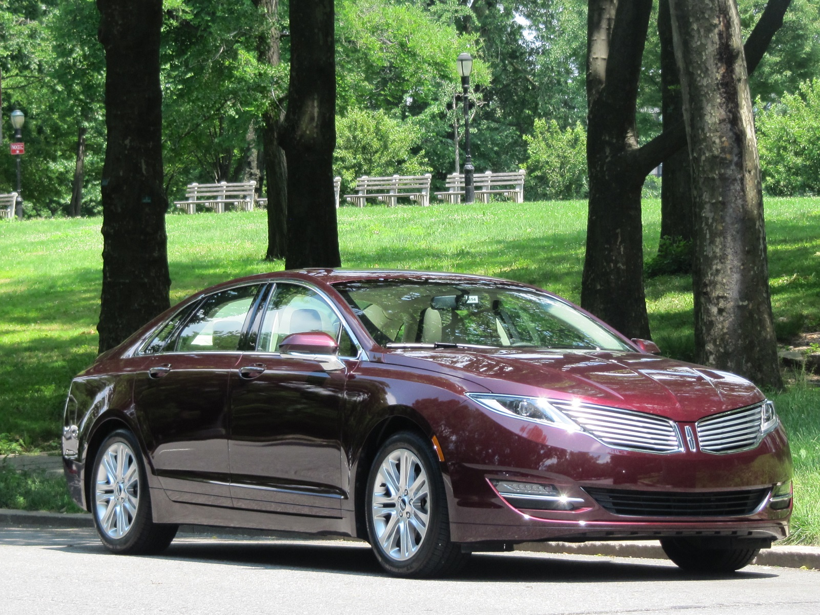 2013 lincoln mkz hybrid brief first drive. Black Bedroom Furniture Sets. Home Design Ideas