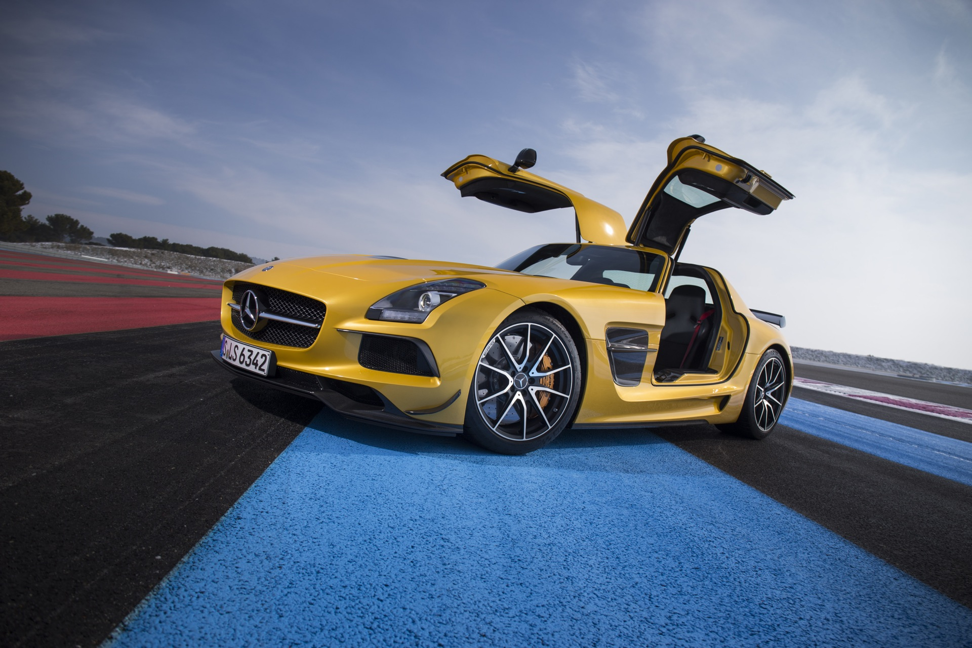 2014 mercedes benz sls amg black series first drive review. Black Bedroom Furniture Sets. Home Design Ideas