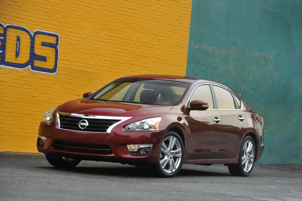 at news com car altima nissan carreview reviews review and
