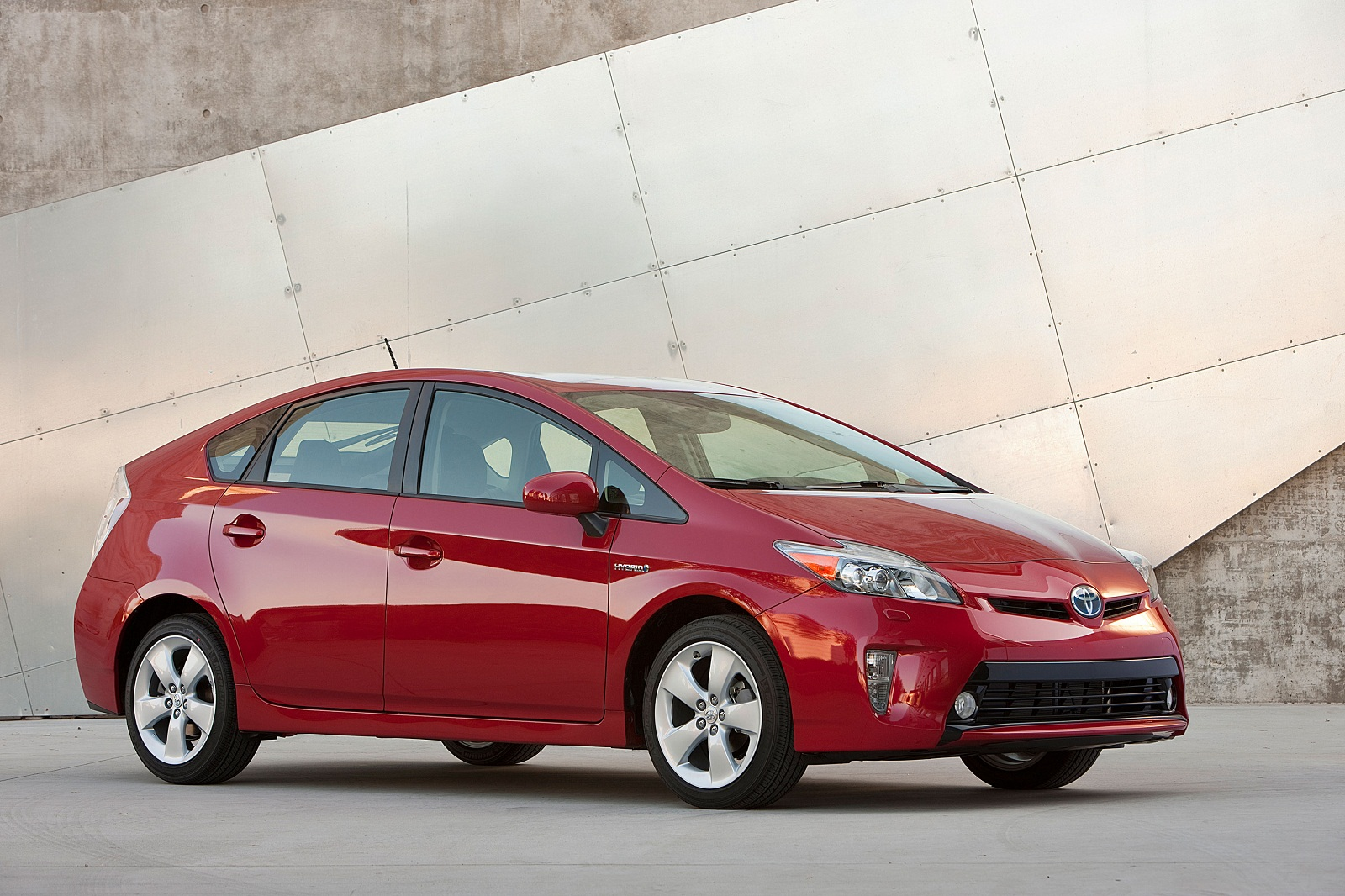 2013-2017 Toyota Prius models recalled for potential hybrid-system defect
