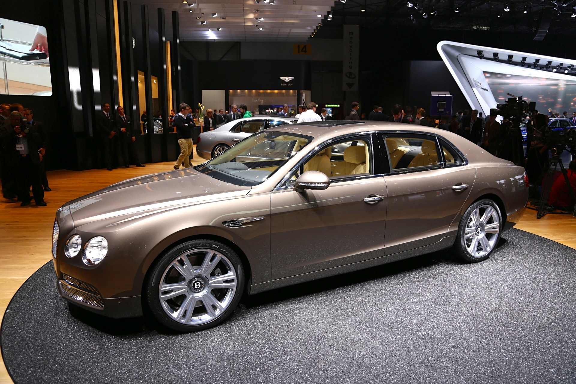 2014 Bentley Flying Spur Live From Geneva: Gallery