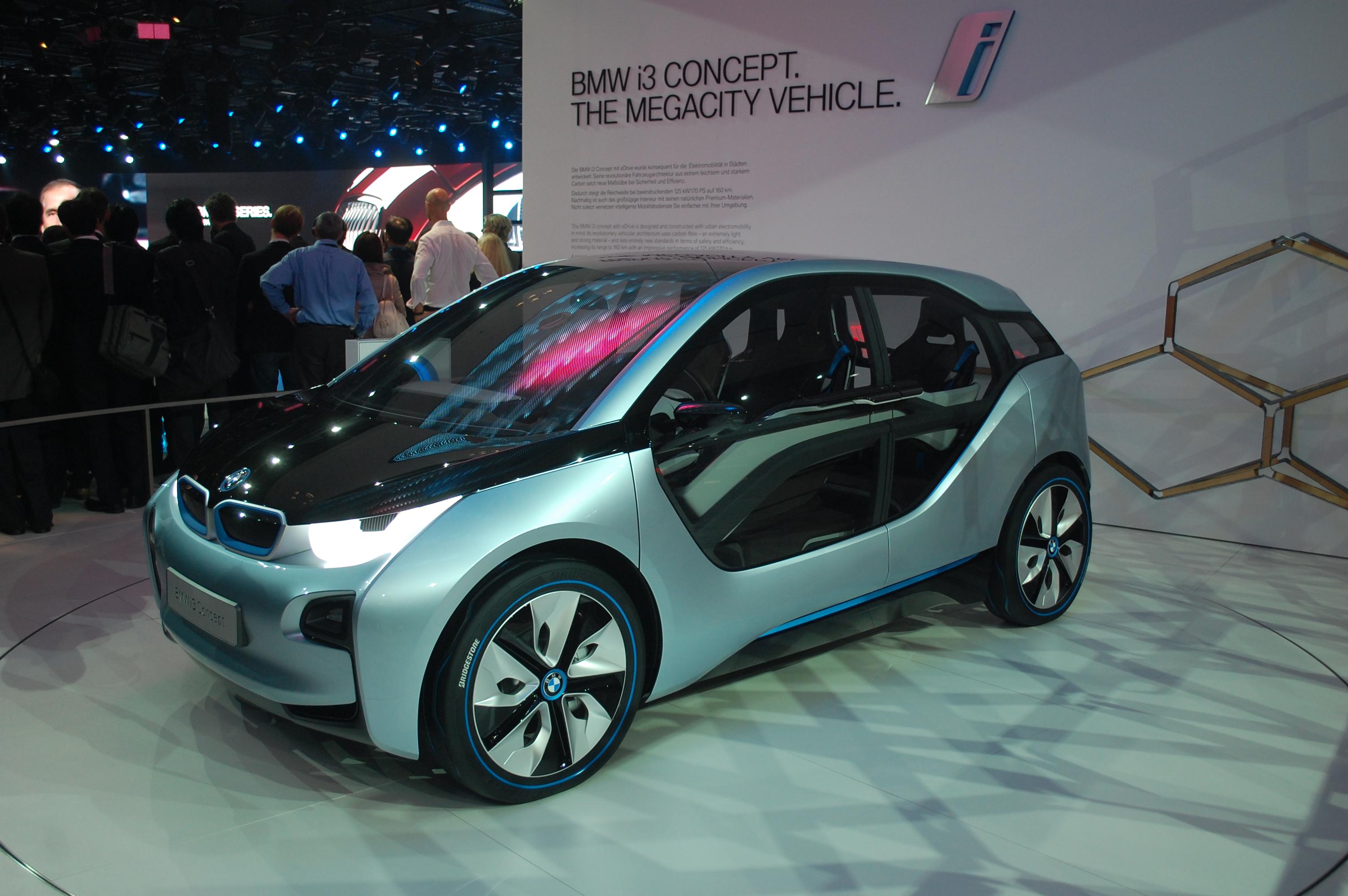 german electric car battle audi   bmw   benz  class  cell  vw golf blue emotion